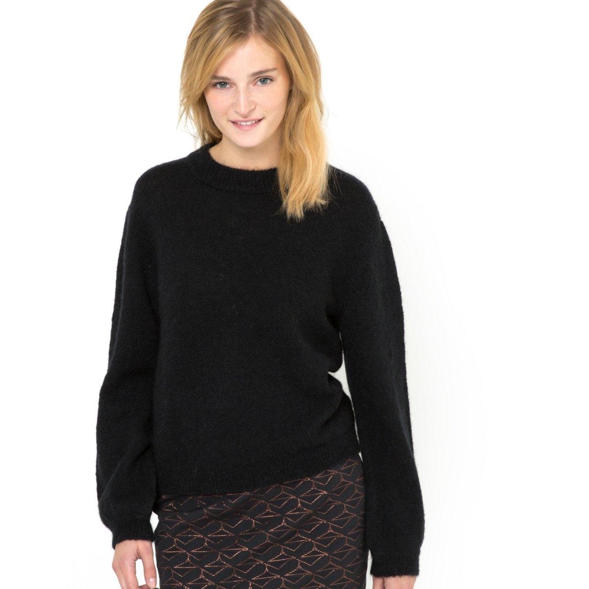 Пуловер из трикотажа и рукавами с напускомПуловер из трикотажа: 42% шерсти, 30% полиамида, 25% мохера, 3% эластана. Круглый вырез. Длинные рукава с напуском. Края выреза, манжет и низа связаны в рубчик. Длина 61 см.<br><br>Цвет: черный<br>Размер: 46/48 (FR) - 52/54 (RUS)
