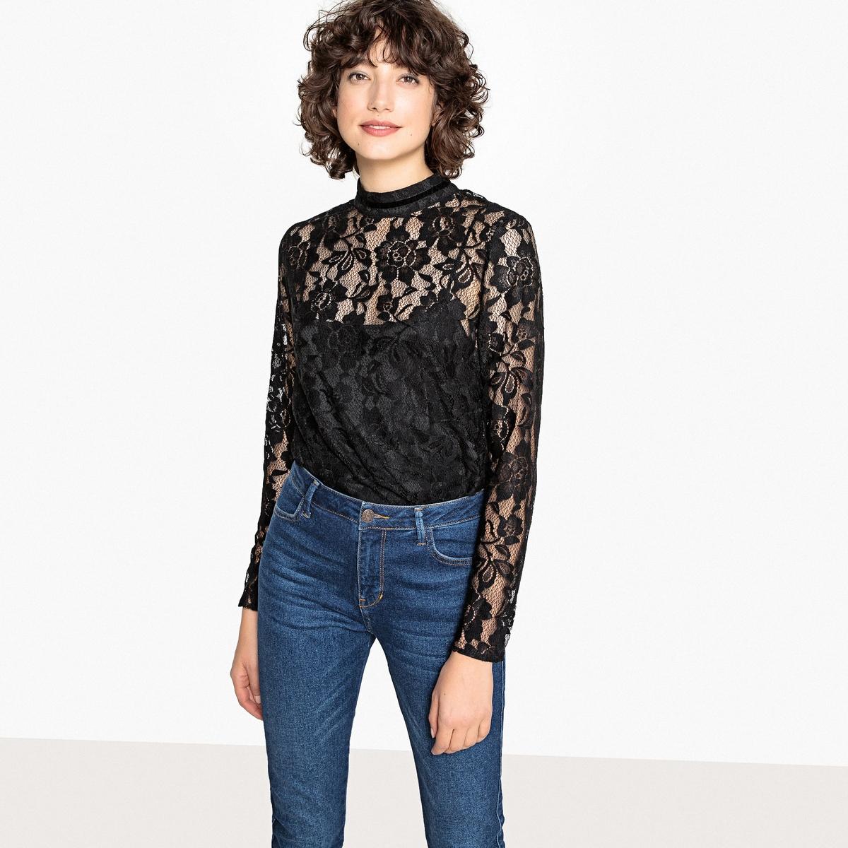Блузка с воротником-стойкой и длинными рукавами