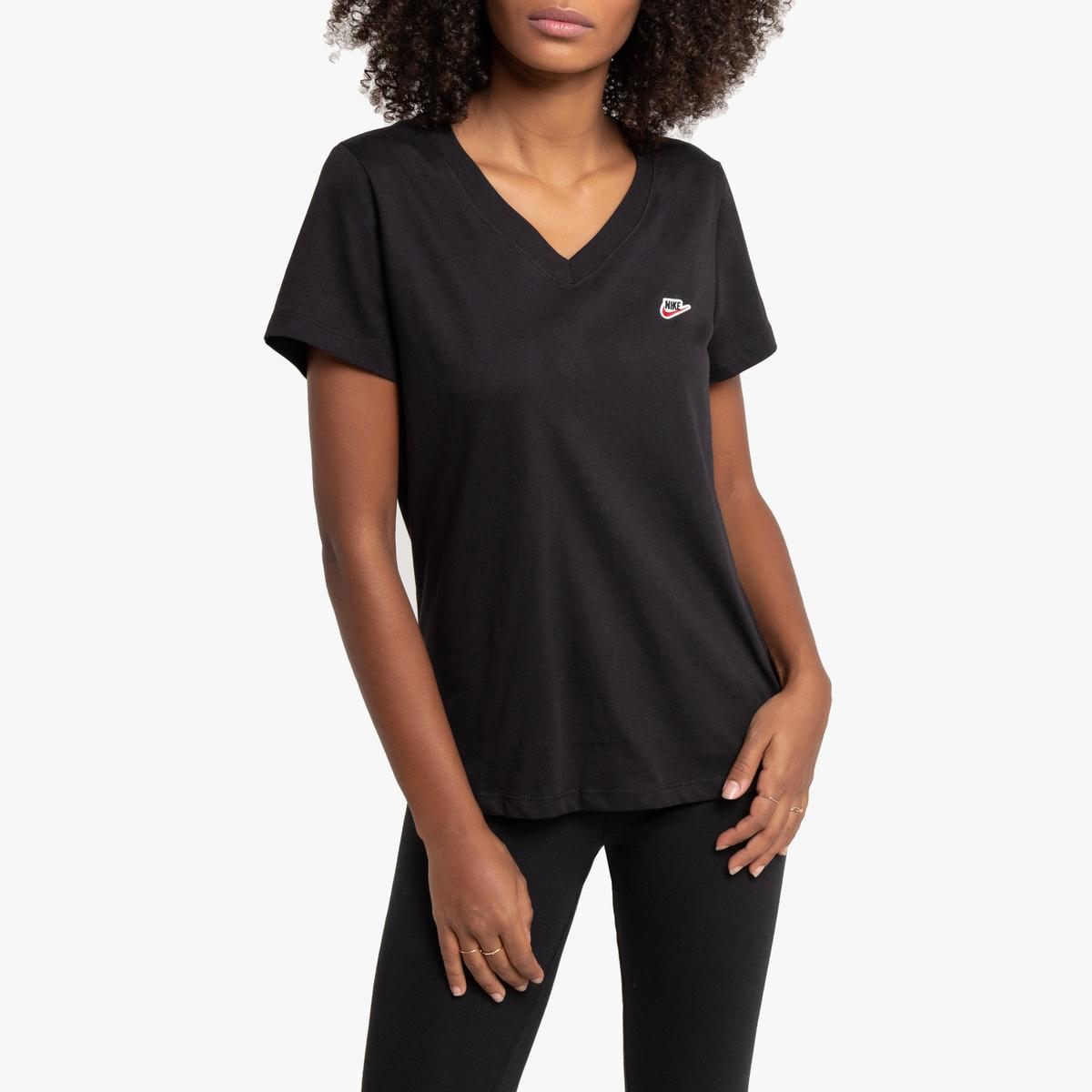 Camiseta con aplicación y logotipo bordado