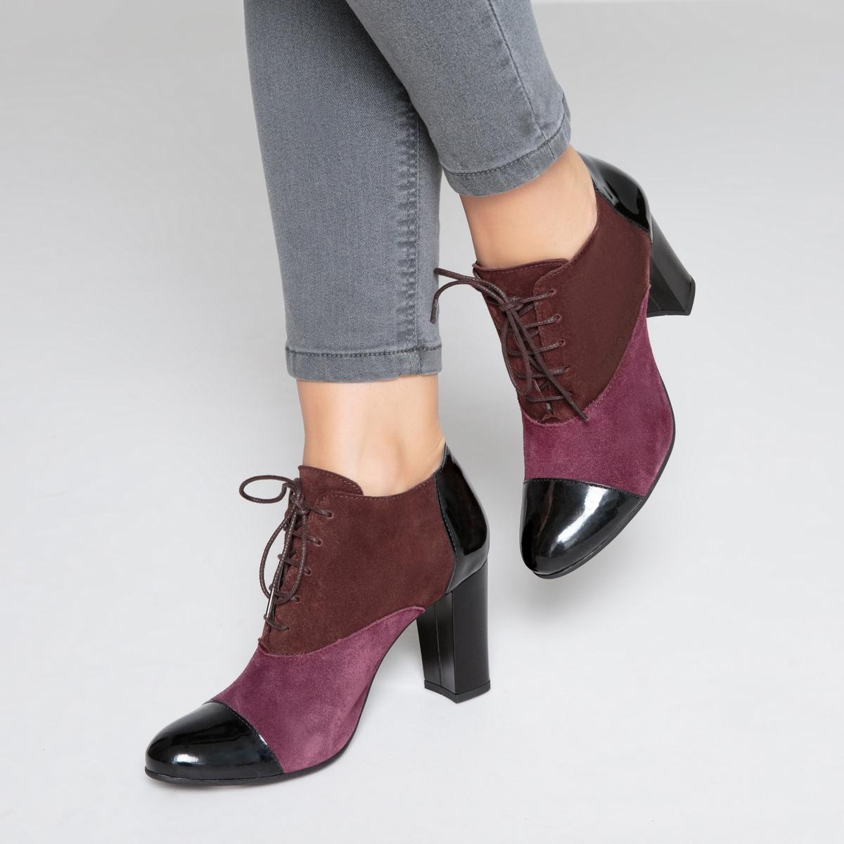 Ботинки-дерби трехцветные кожаные на высоком каблукеОписание:Детали •  Ботинки-дерби •  Высота каблука : 8 см •  Застежка : шнуровка •  Круглый мысок •  Велюровая отделка, нубукСостав и уход •  Верх 100% замша •  Подкладка 100% текстиль •  Стелька 100% кожа •  Подошва 100% эластомер •  Сделано в Португалии<br><br>Цвет: кирпичный<br>Размер: 41.39