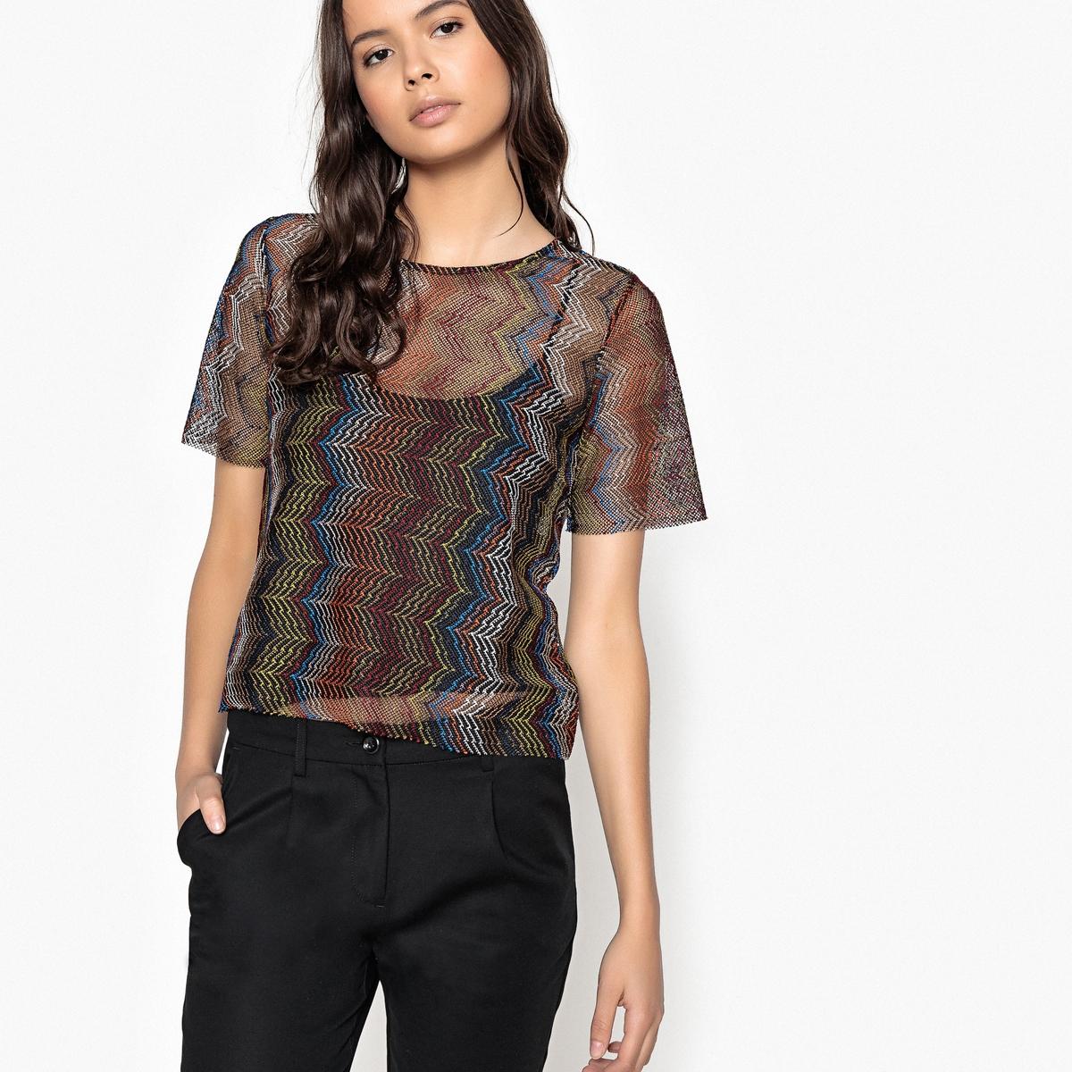 T-shirt fina, gola redonda, mangas curtas, estampada