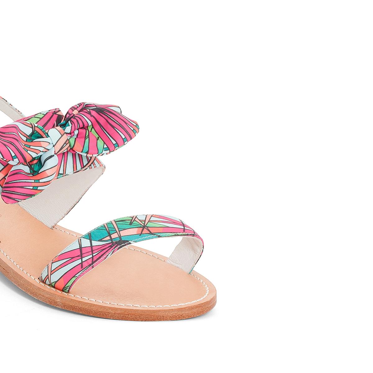 Босоножки кожаные BadonaВерх : кожа и текстиль   Подкладка : кожа   Стелька : кожа   Подошва : каучук   Высота каблука : 1 см   Форма каблука : плоский каблук   Мысок : закругленный мысок  Застежка : пряжка<br><br>Цвет: наб. рисунок/ розовый<br>Размер: 38