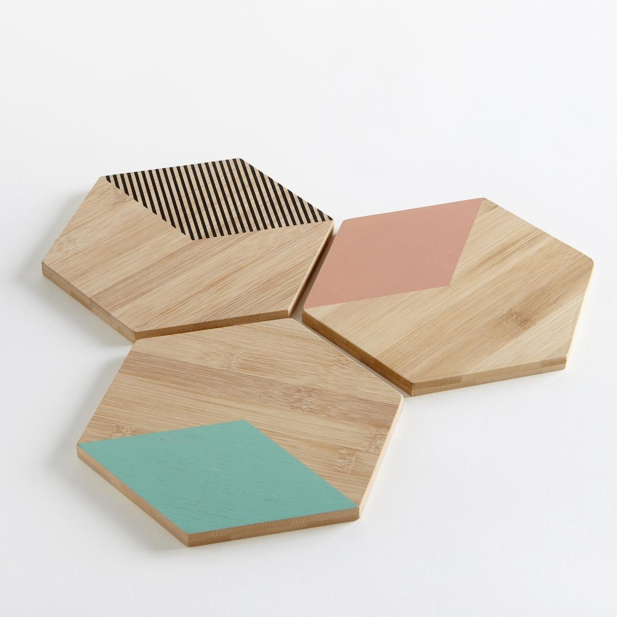 3 подставки под блюдаХарактеристики 3 подставок под блюда :- Подставки под блюда из бамбука шестиугольной формы-  Размеры : 15 x 17 см  - Толщина : 1 см- Не подходит для использования в микроволновой печи и посудомоечной машине .- Комплект из 3 штук<br><br>Цвет: бамбук