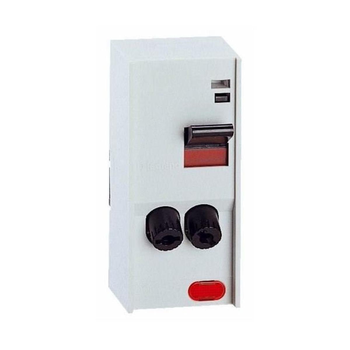 LEGRAND Interrupteur PAC avec cartouche fusible 2 pôles + voyant  4600W maxi
