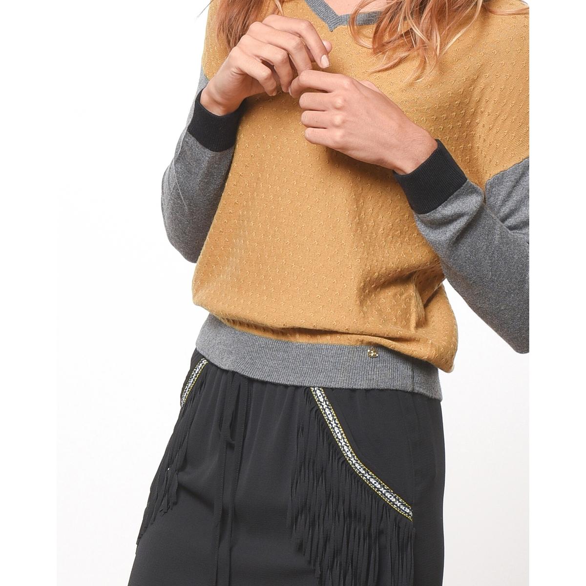 Пуловер с V-образным вырезомСостав и описаниеМатериал            48% полиамида, 27% акрила, 19% вискозы, 6% альпаки           Марка            JOE RETRO                      Уход           Следуйте рекомендациям по уходу, указанным на этикетке изделия<br><br>Цвет: горчичный,черный<br>Размер: L.M