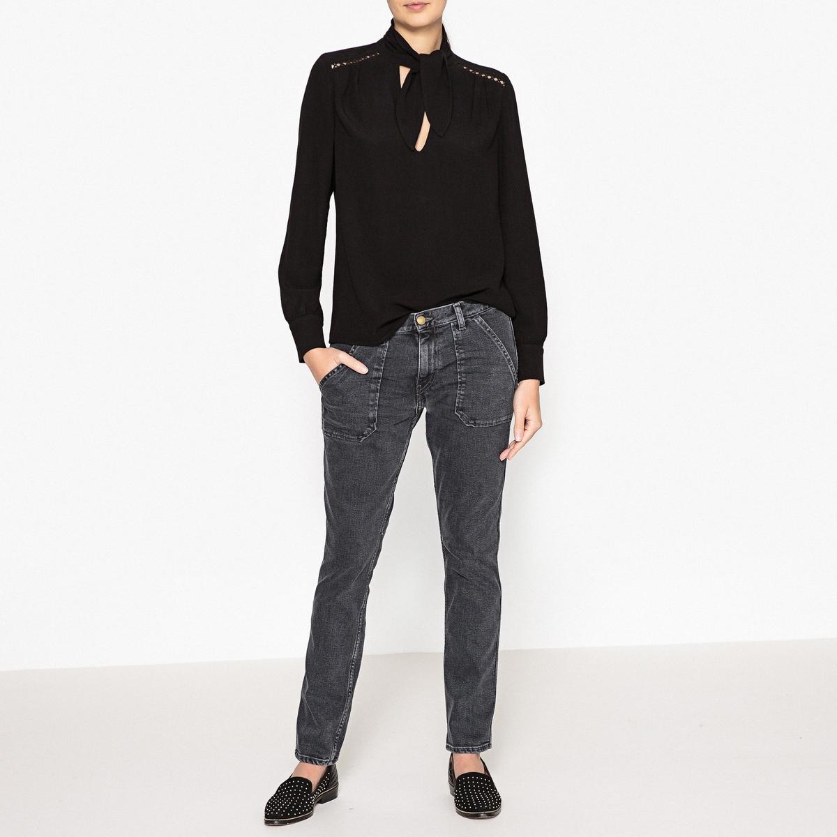 Блузка с оригинальным воротником MAXOUСвободная блузка с длинными рукавами BA&amp;SH - модель  MAXOU с галстуком-бантом и ажурными деталями.Детали •  Длинные рукава •  Прямой покрой •  Галстук-бантСостав и уход •  100% вискоза •  Следуйте советам по уходу, указанным на этикетке<br><br>Цвет: черный