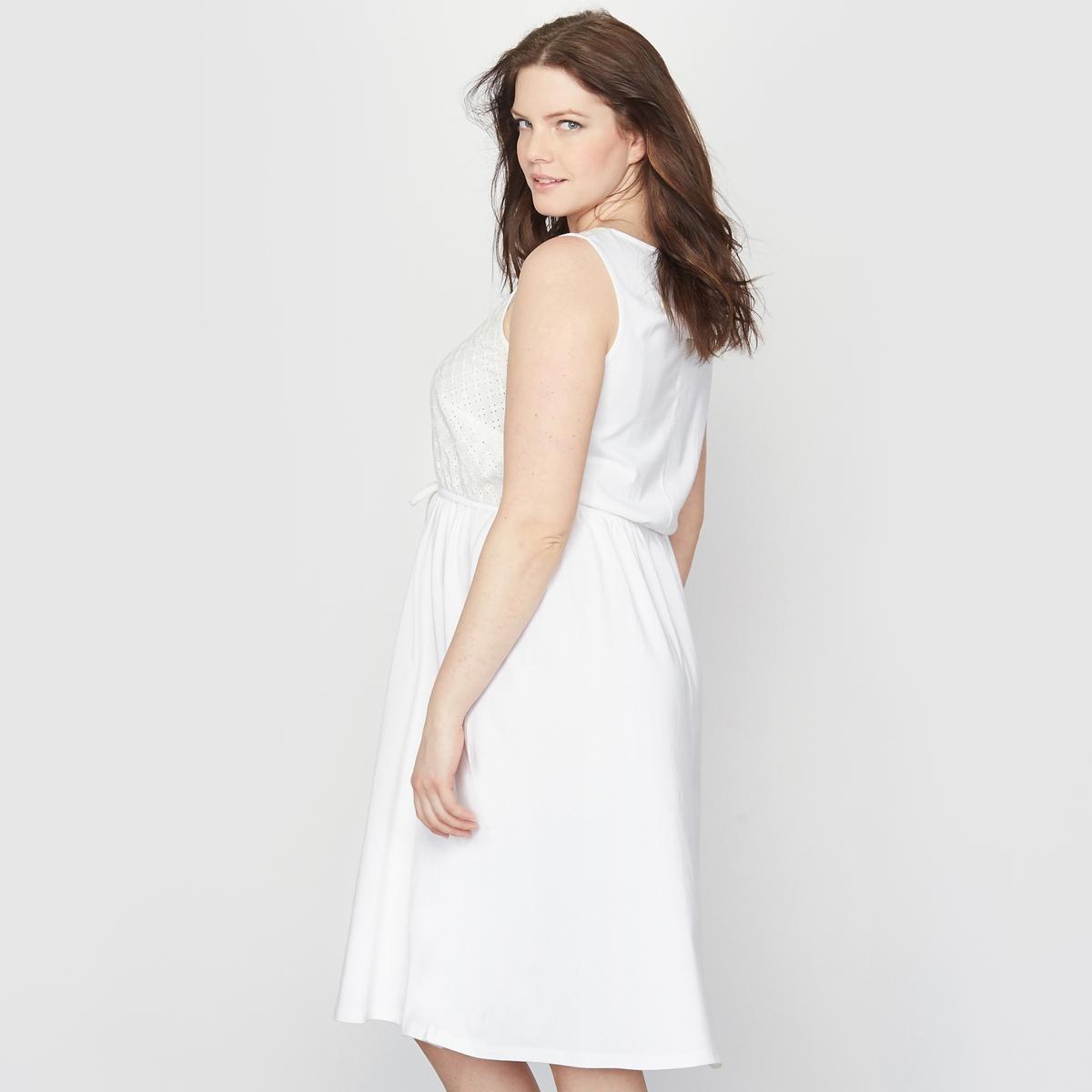 Платье из двух материаловПлатье. Верх из английского кружева . Высокая талия со сборками и завязками . Закругленный вырез. Низ из трикотажа . 100%  хлопка . Длина 97 см.<br><br>Цвет: белый<br>Размер: 44 (FR) - 50 (RUS).48 (FR) - 54 (RUS)