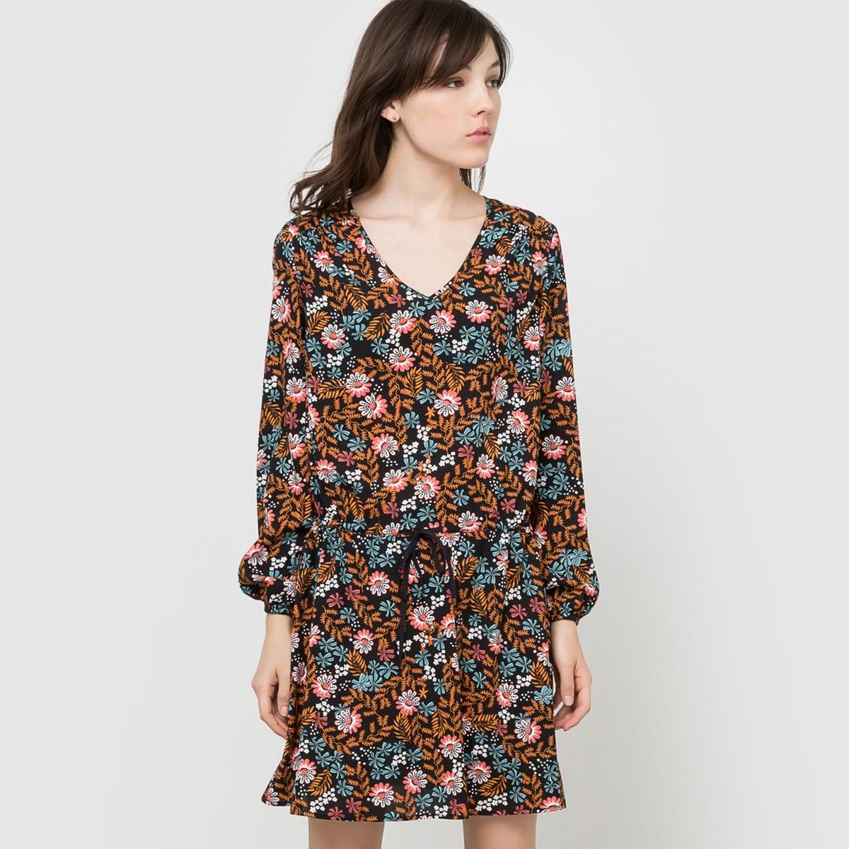 Платье с цветочным рисункомПлатье с цветочным рисунком из струящейся ткани. V-образный закругленный вырез. Длинные рукава с эластичными манжетами. Заниженный пояс на кулиске. Состав и описаниеМатериал          100% вискозаДлина       94 смУходМашинная стирка при 30 °С с вещами схожих цветовСтирать и гладить с изнаночной стороны<br><br>Цвет: набивной рисунок<br>Размер: 36 (FR) - 42 (RUS).48 (FR) - 54 (RUS).44 (FR) - 50 (RUS)