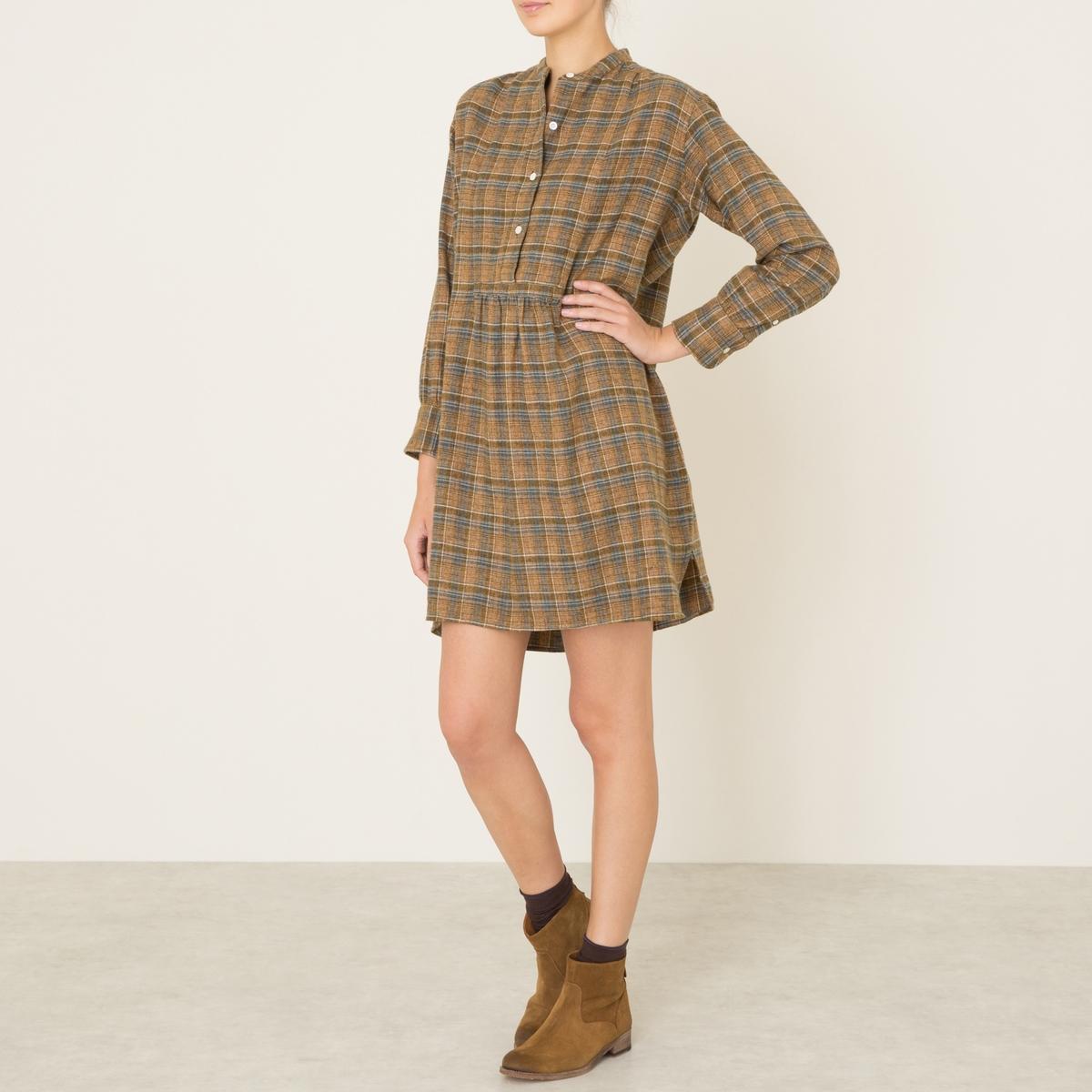 Платье ANITAПлатье SOEUR - модель ANITA. Небольшой воротник-стойка. Планка застежки на пуговицы. Складки под поясом. Длинные рукава на резинке.Состав и описание Материал : 100% хлопокМарка : SOEUR<br><br>Цвет: хаки