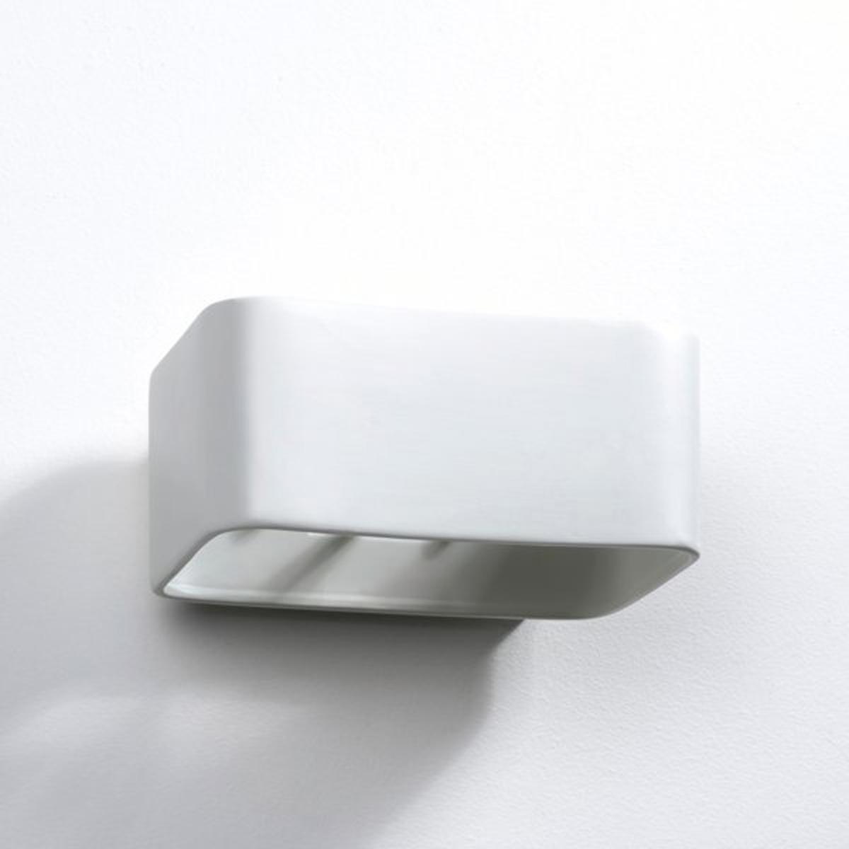 Бра прямоугольной формы из керамики  Debou2 цоколя GU10 для лампочек макс. 35 W  (не входят в комплект) .Размеры : Д. 22 x Гл.16 x Выс .10 см<br><br>Цвет: белый