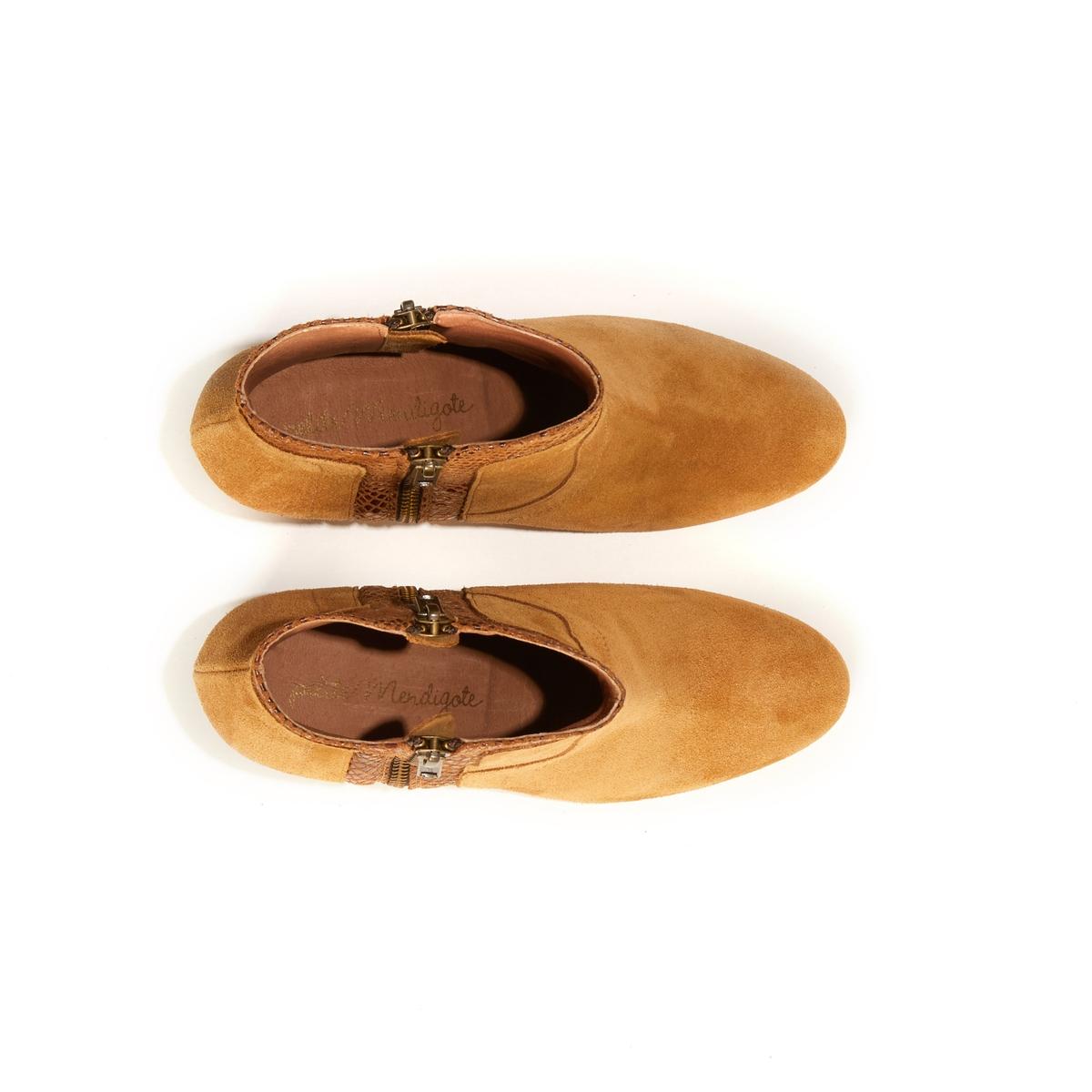 Сапоги кожаные на каблуке RAFIKI EXOTICОписание:Сапоги на каблуке PETITE MENDIGOTE - модель RAFIKI EXOTIC из кожи двух материалов.Детали •  Застежка : на молнию •  Круглый мысок •  Велюровая отделка, нубукСостав и уход •  Верх 100% яловичная кожа •  Стелька 100% козья кожа •  Подошва 100% дерево •  Высота голенища: 15 см •  Высота каблука : 8 см<br><br>Цвет: темно-бежевый