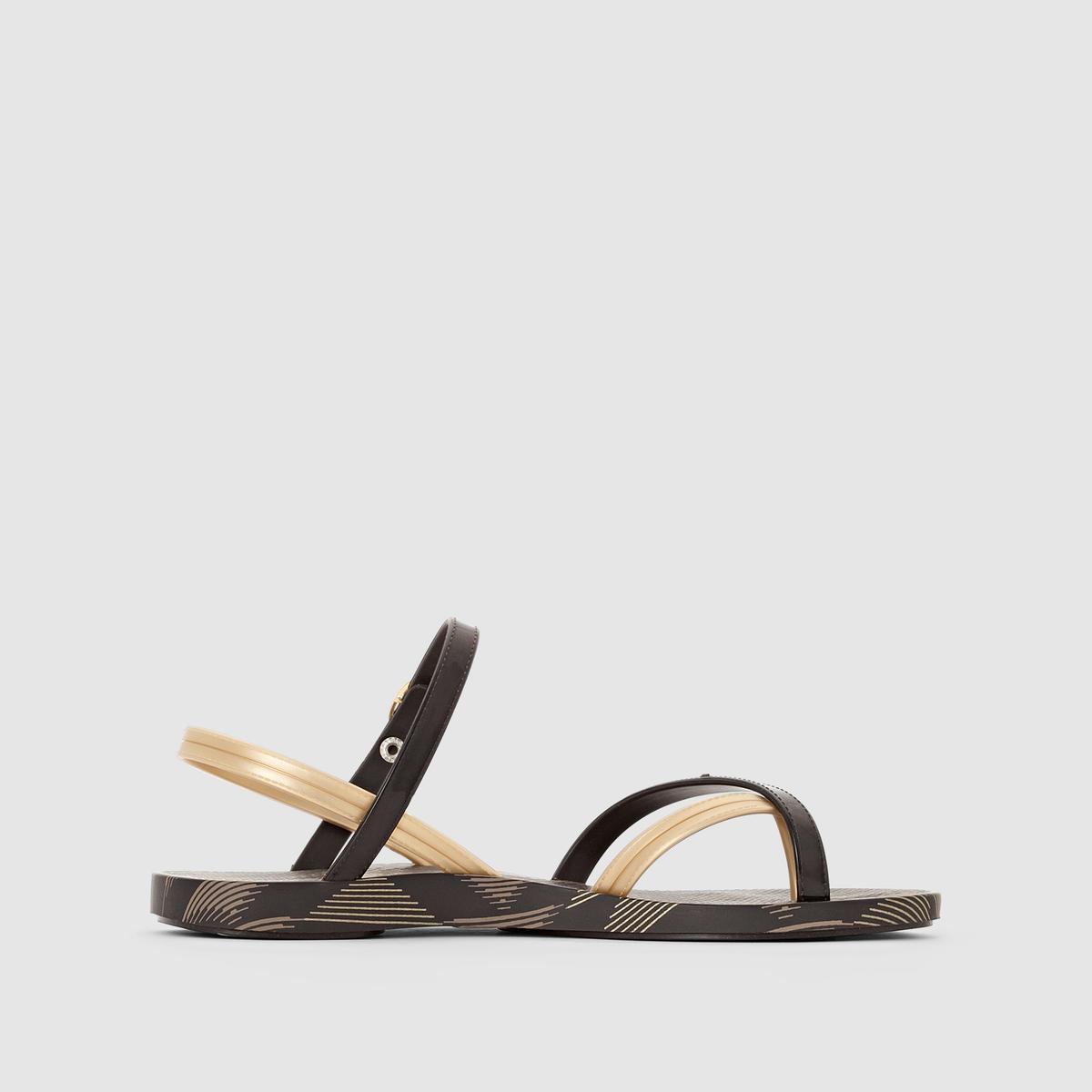 Сандалии женские Fashion Sandal IV FemВерх : Каучук   Стелька : Каучук   Подошва : Каучук   Форма каблука : плоский каблук.   Мысок : открытый мысок   Застежка : без застежки<br><br>Цвет: черный<br>Размер: 37