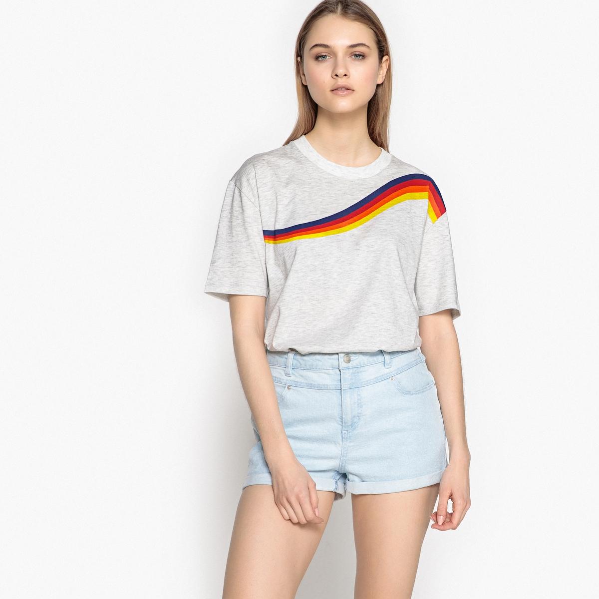 T-shirt estampada, gola redonda, mangas curtas