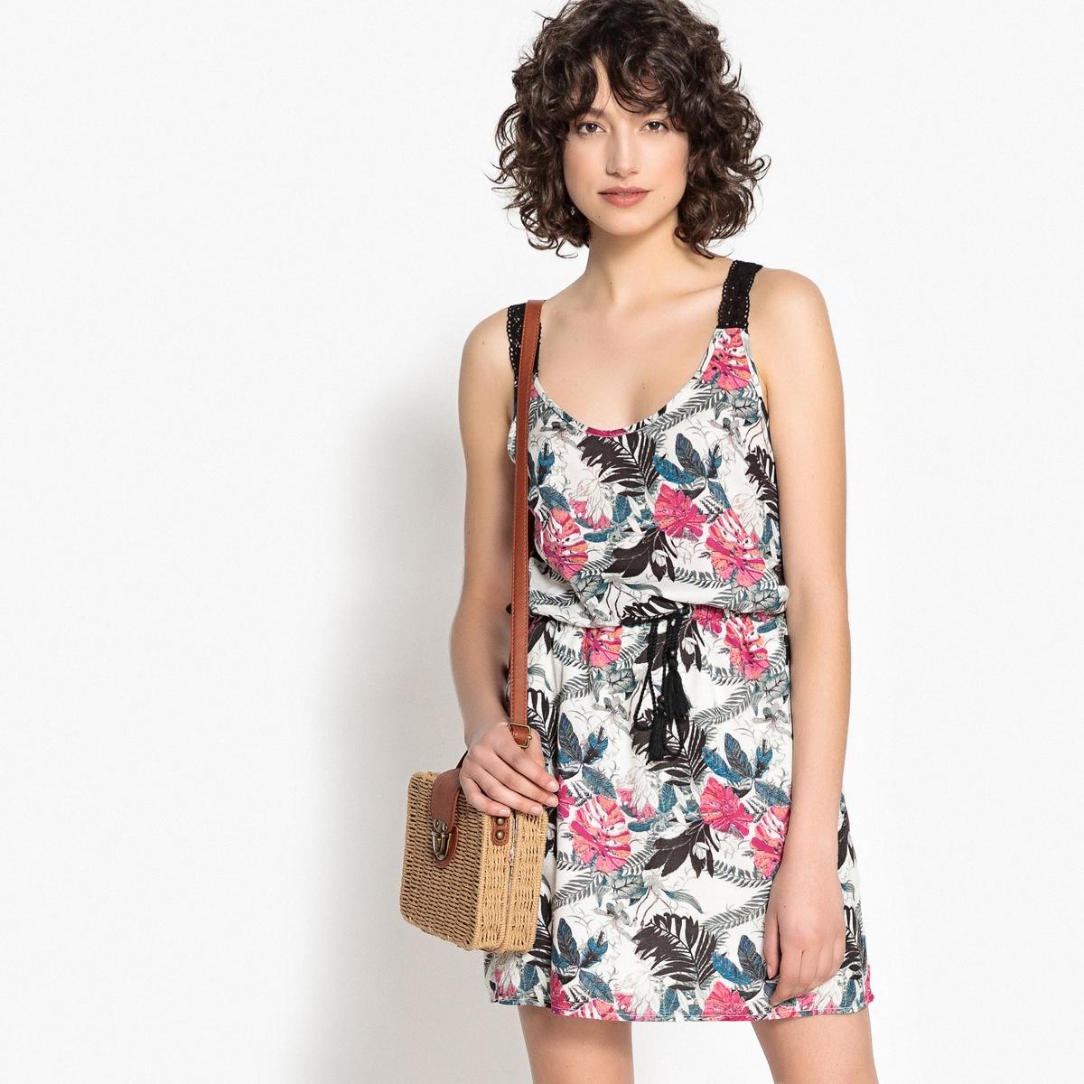 Sukienka w kwiaty na ramiączkach z wiązaniem w pasie