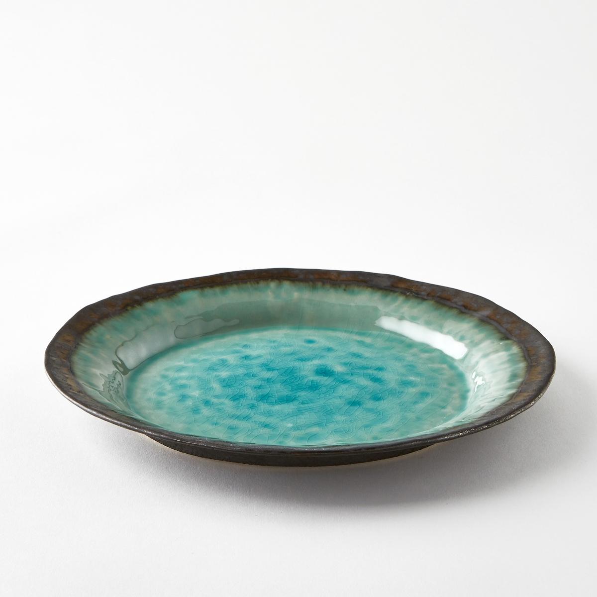 Тарелка мелкая из керамики, покрытой глазурью, AltadillМелкая тарелка Altadill. Из керамики, покрытой глазурью бирюзового цвета, с красивой отделкой бронзового цвета с металлическим блеском. Ручная работа, каждое изделие уникально. Размеры  : диаметр 29 x высота 3 см.<br><br>Цвет: голубой бирюзовый