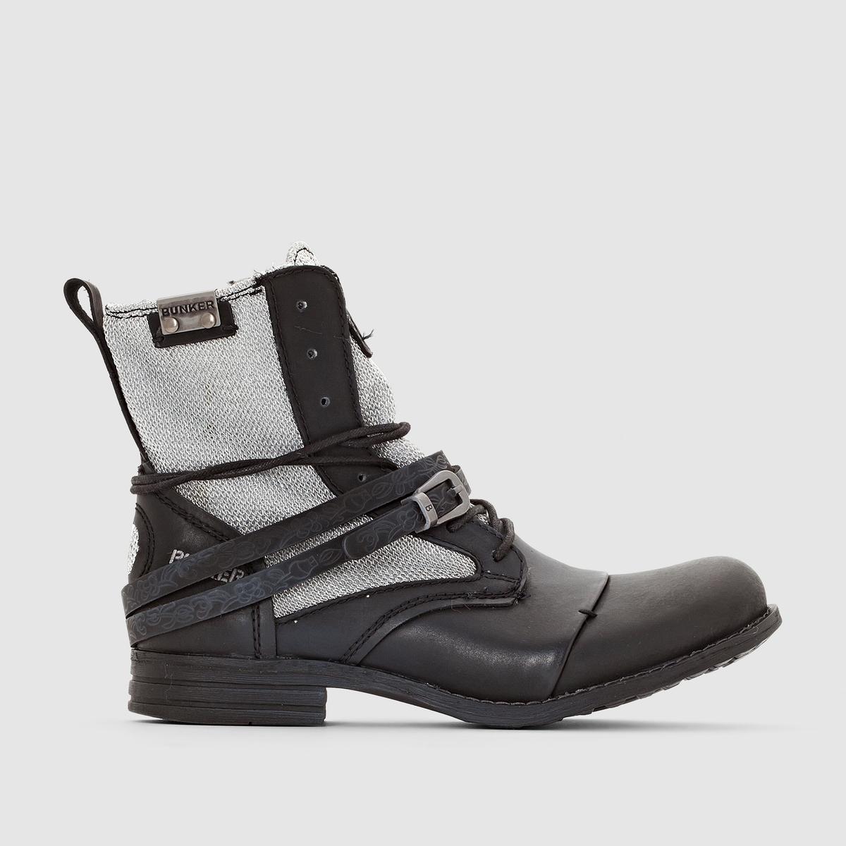 Сапоги SARA от BUNKERBunker всегда нас удивляет своими оригинальными, модными и полными жизни моделями: доказательством служат эти сапоги на молнии и шнуровке, с ремешками и стильными деталями, пробуждающими желание шагать по городу уверенным шагом.<br><br>Цвет: черный<br>Размер: 37.38.39
