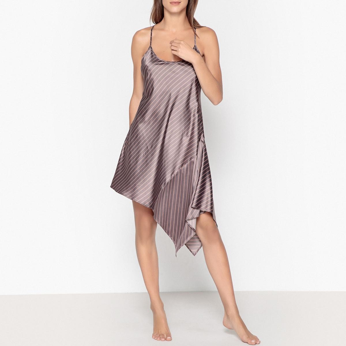 Camisa de dormir assimétrica, em cetim