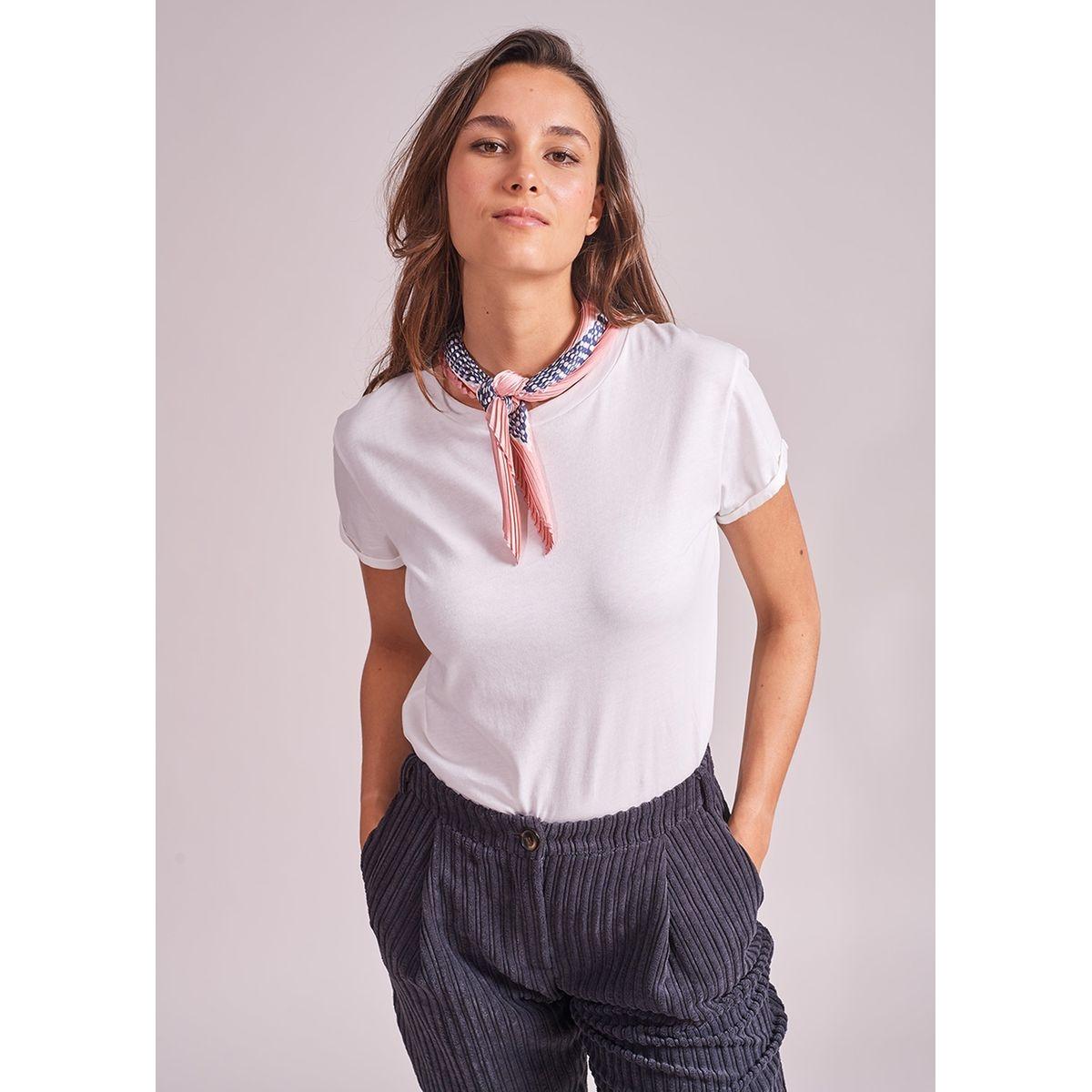 Tee-shirt avec foulard amovible