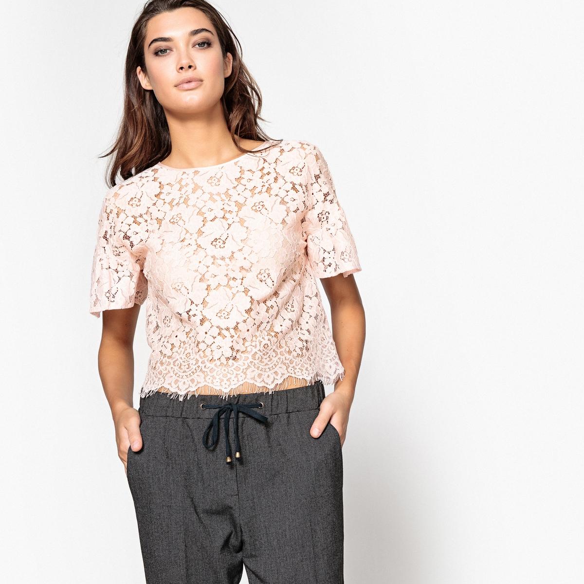 Krótka koronkowa bluzka z falbankami przy rękawach