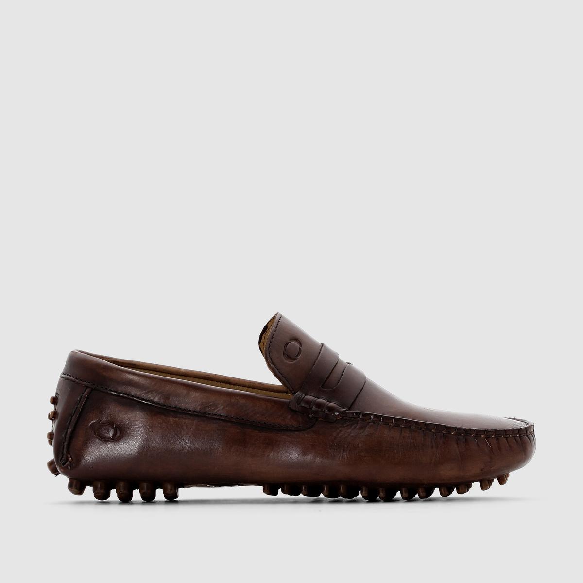 Мокасины кожаные MorganМокасины, модель  Morgan - BASE LONDONВерх : яловичная кожаПодкладка : кожа.Стелька : кожа.Подошва : синтетический ПУЗастежка : без застежки. Base London талантливый создатель модной и качественной мужской обуви. Марка подтверждает свою репутацию: В этих мокасинах традиционный стиль обуви студента колледжа из качественной кожи сочетается с оригинальными рельефными деталями на подошве и пятке. Лёгкая, удобная и стильная модель для лета! Которая гарантирует привлекательную походку, изящную и расслабленную!<br><br>Цвет: каштановый