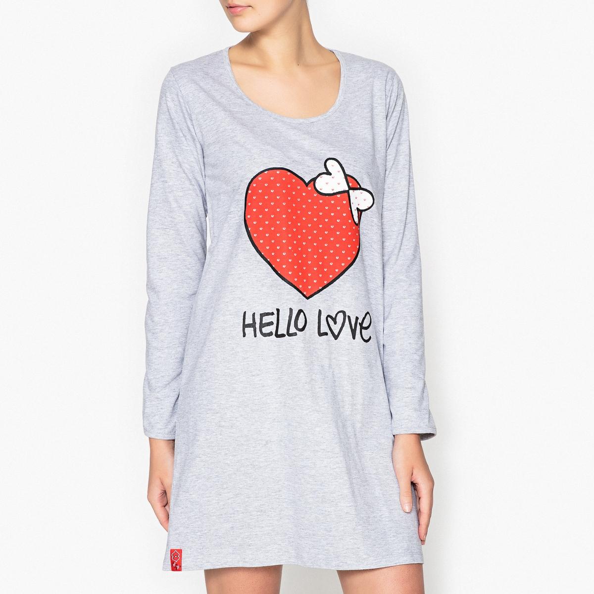 Ночная рубашка с принтом, LoveliesРисунок в виде большого сердца.. в этой ночной рубашке Lovelies, вы будете окружены любовью !Состав и описаниеНочная рубашка с принтом с длинными рукавами  . Круглый вырез. Материал :  55% хлопка, 45% полиэстераМарка : LoveliesУход: :Машинная стирка при 30 °С на деликатном режиме с вещами схожих цветов.Стирать и гладить при низкой температуре с изнаночной стороны.Машинная сушка запрещена.<br><br>Цвет: серый