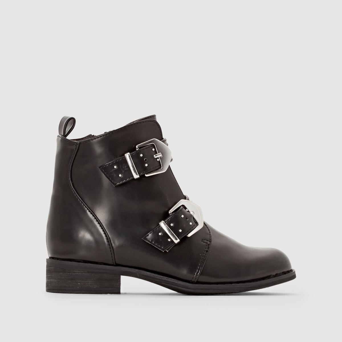 Ботинки в байкерском стиле с ремешками и заклепками