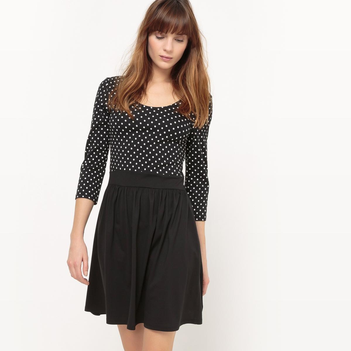 Платье короткое, с длинными рукавами, однотонноеМатериал : 100% хлопок  Длина рукава : длинные рукава  Форма воротника : V-образный вырез Покрой платья : платье прямого покроя      Рисунок : однотонная модель   Длина платья : короткое<br><br>Цвет: наб. рисунок фон черный