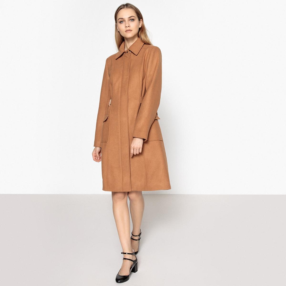 Пальто на молнии 72% шерстиУтепленное пальто из смесовой шерсти очень модного покроя из структурной ткани . Симпатичные ремешки с пряжками, которые подчеркивают талию .Детали •  Длина : удлиненная модель •  Воротник-стойка •  Застежка на молниюСостав и уход •  72% шерсти, 7% акрила, 1% полиамида, 20% полиэстера • Не стирать •  Деликатная чистка/без отбеливателей •  Не использовать барабанную сушку   •  Низкая температура глажки •  Длина : 100 см.<br><br>Цвет: темно-бежевый,черный<br>Размер: 50 (FR) - 56 (RUS).38 (FR) - 44 (RUS)
