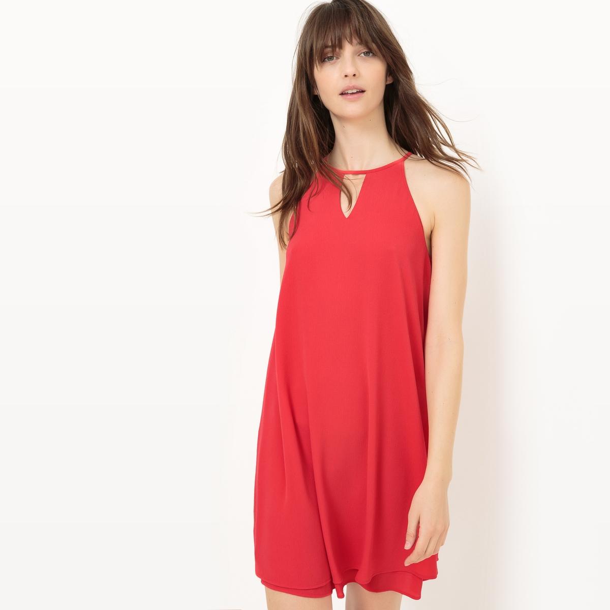 Платье до колен без рукавов