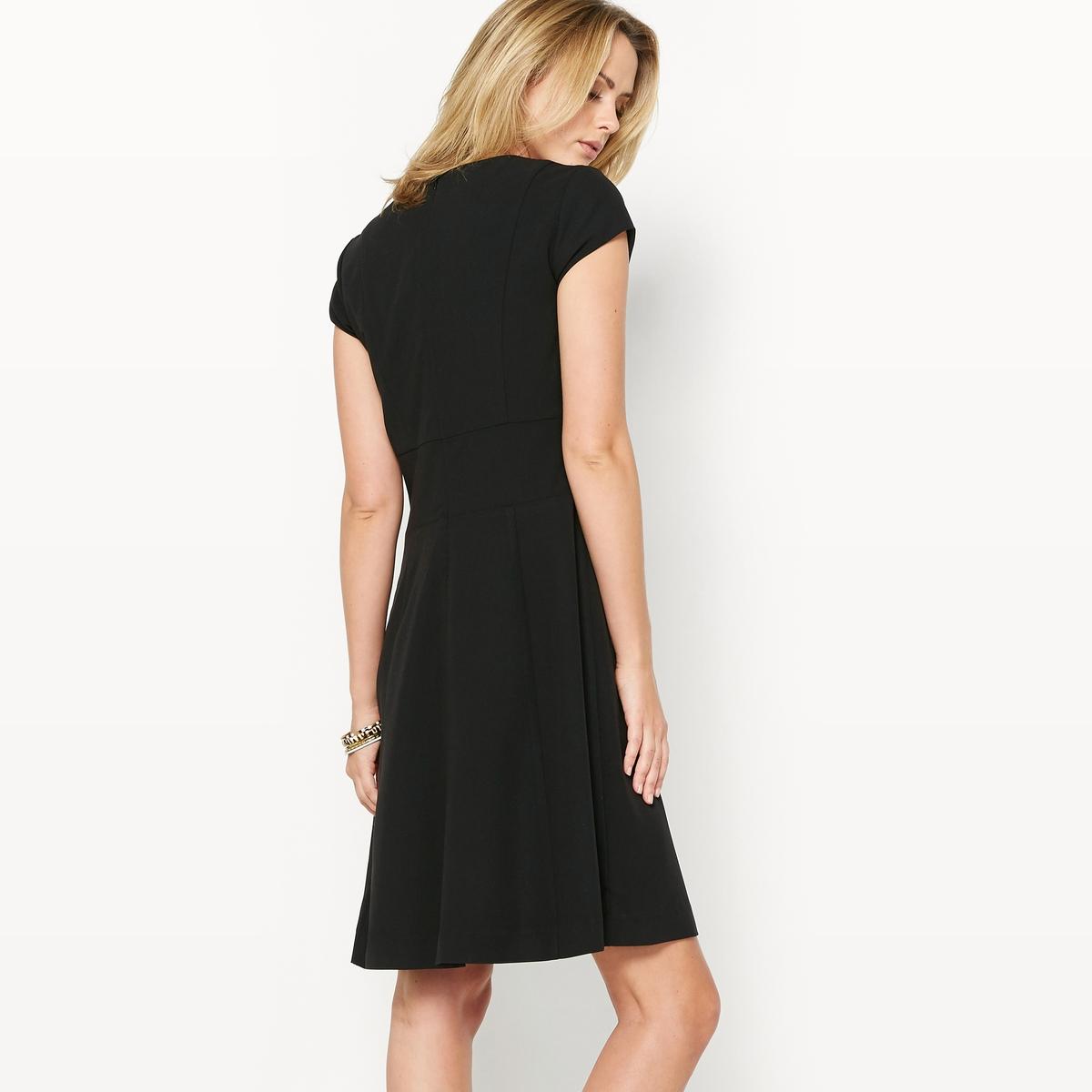 Платье расклешенное из саржи стрейчРасклешенное платье. Это платье идеально сидит на любой фигуре. Выбор наших клиентов. V-образный вырез. Отрезные детали спереди и сзади. Оригинальные швы на поясе. Короткие рукава. Скрытая застежка на молнию сзади. Состав и описание :Материал : Саржа, 74% полиэстера, 19% вискозы, 7% эластана.Длина 95 см.Марка : Anne Weyburn.Уход :Машинная стирка при 30 °С на умеренном режиме.Гладить на низкой температуре.<br><br>Цвет: черный<br>Размер: 38 (FR) - 44 (RUS).44 (FR) - 50 (RUS)