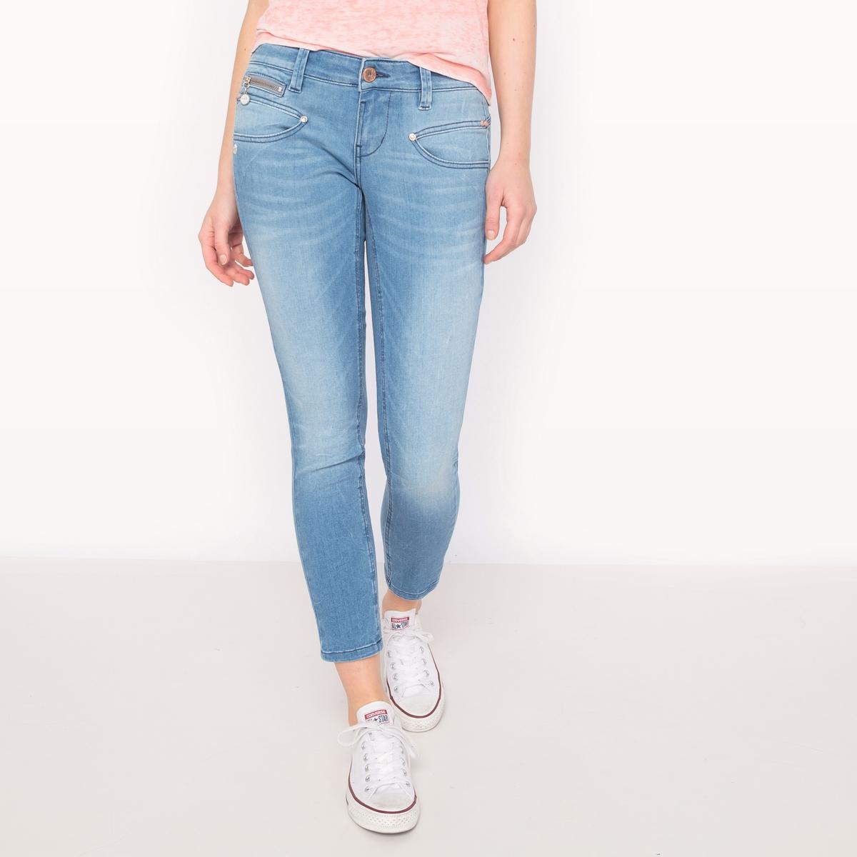 Джинсы ALEXA, укороченный очень узкий покрой, эластичный поясМатериал : 91% хлопка, 7% эластомультиэстера, 2% эластана                 Высота пояса : стандартная                Покрой джинсов : узкий                 Длина джинсов : длина 32<br><br>Цвет: синий стираный
