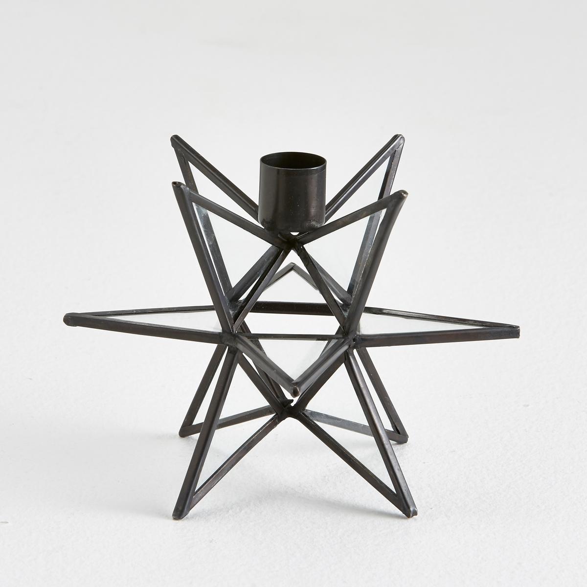 Подсвечник из стекла и металла, EstelloПодсвечник, Estello: этот подсвечник может стать красивым элементом Вашего интерьера... создать дух праздника и поднять настроение.Из металла и стекла.Подставка для свечи, диаметр. 2 см (свеча не прилагается).Размеры: 15,5 x 15,5 x 11,5 см.<br><br>Цвет: черный<br>Размер: единый размер