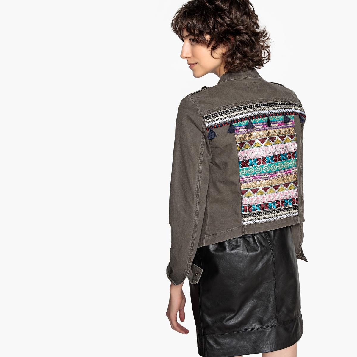 Jacke mit Stehkragen  Verzierung hinten   Bekleidung > Jacken > Sonstige Jacken   Grün   Baumwolle   ONLY