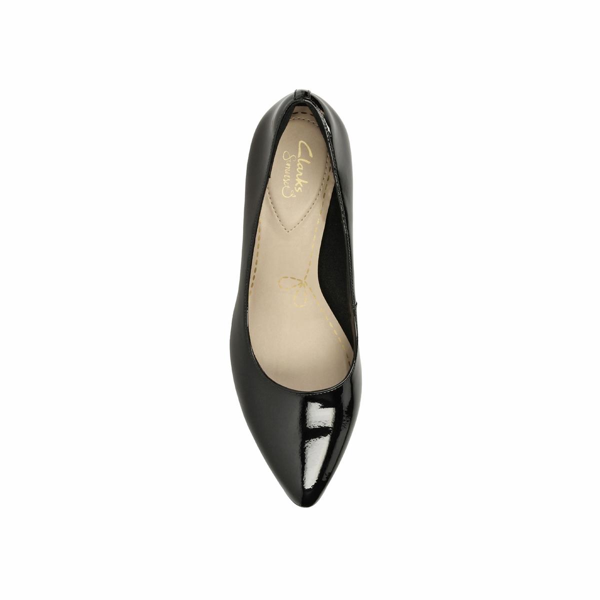 Туфли лакированные Isidora FayeВерх : Кожа.     Подкладка : текстиль     Стелька : синтетика     Подошва : Каучук     Высота каблука : 6,5 см     Форма каблука : тонкий каблук     Мысок : закругленный     Застежка : Без застежки<br><br>Цвет: Черный лак