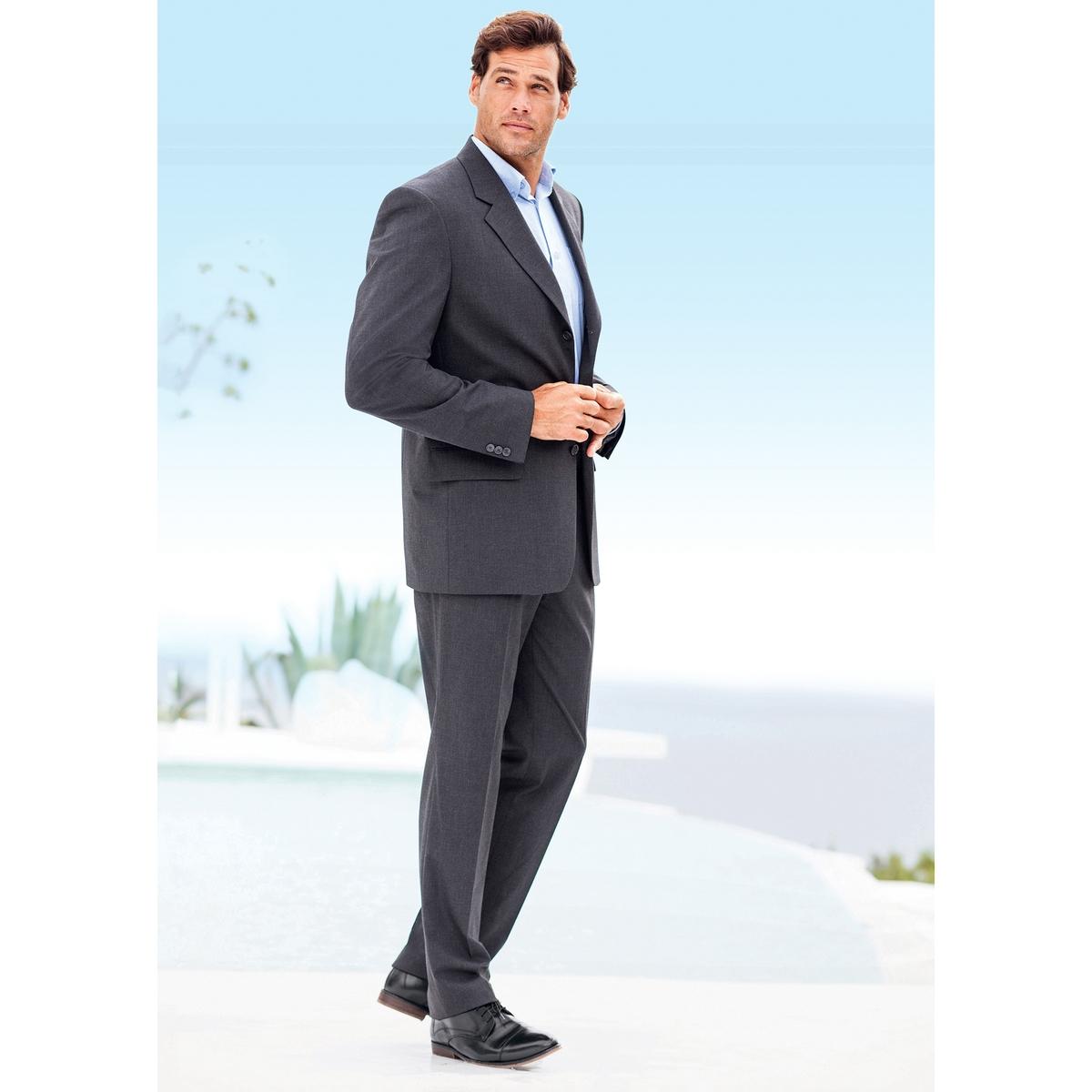 Пиджак костюмный, стрейч, размер 3Полностью на подкладке, 100% полиэстер. Размер 3 : на рост от 187 см.Прямой покрой, 3 пуговицы. Шлица сзади. 1 нагрудный карман и 2 кармана с клапаном спереди, 3 внутренних кармана. 3 пуговицы на рукавах. Контрастная отделка видимым швом.Существует также в размере 1 (на рост до 176 см)и в размере 2 (на рост от 176 до 187 см).<br><br>Цвет: антрацит,темно-синий,черный