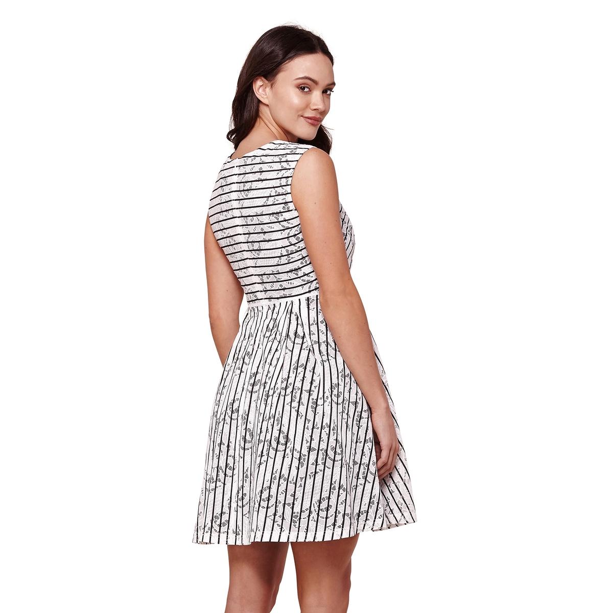 Платье расклешенное без рукавов  рисунком  полоску