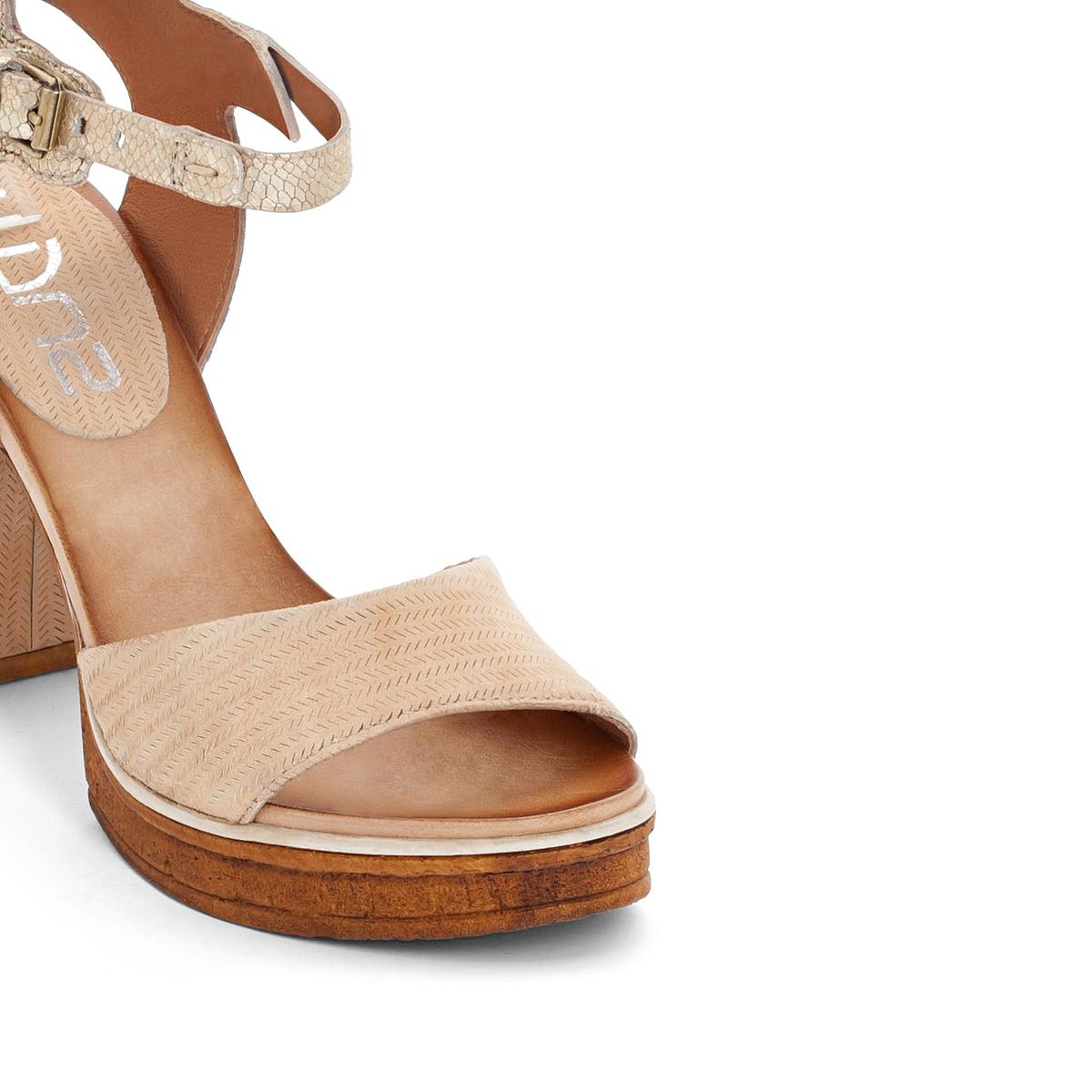 Босоножки кожаные на каблуке CreekВерх/Голенище : кожа  Подкладка : кожа  Стелька : кожа  Подошва : резина  Высота каблука : 10,5 cм  Форма каблука : широкий каблук  Мысок : закругленный мысок Застежка : ремешок<br><br>Цвет: бежевый/золотистый<br>Размер: 39