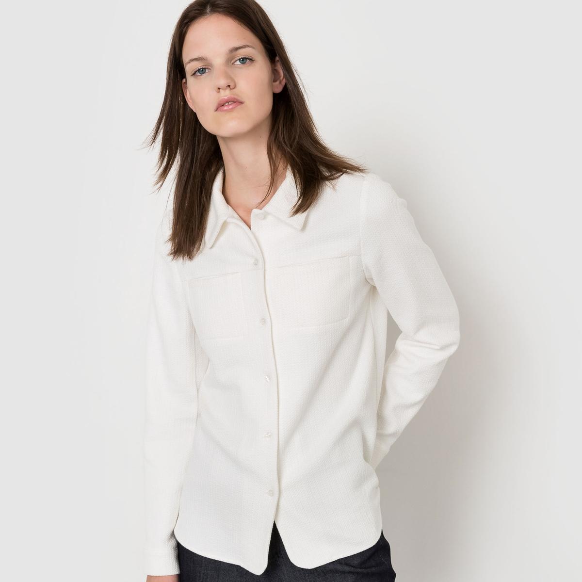 Рубашка с длинными рукавамиРубашка с оригинальными деталями сзади. Застежка на пуговицы по всей длине. Нагрудные карманы . Длинные рукава. Манжеты с застежкой на пуговицы. Рубашка с разрезами по бокам. Состав и описаниеМатериал 72% хлопка, 27% полиэстера, 1% эластанаДлина       100 смМарка ATELIER BARTAVELLEУходМашинная стирка при 30 °C - Не отбеливать - Гладить при низкой температуре - Сухая (химическая) чистка запрещена - Машинная сушка запрещена<br><br>Цвет: хаки,экрю<br>Размер: 44 (FR) - 50 (RUS).40 (FR) - 46 (RUS).38 (FR) - 44 (RUS)