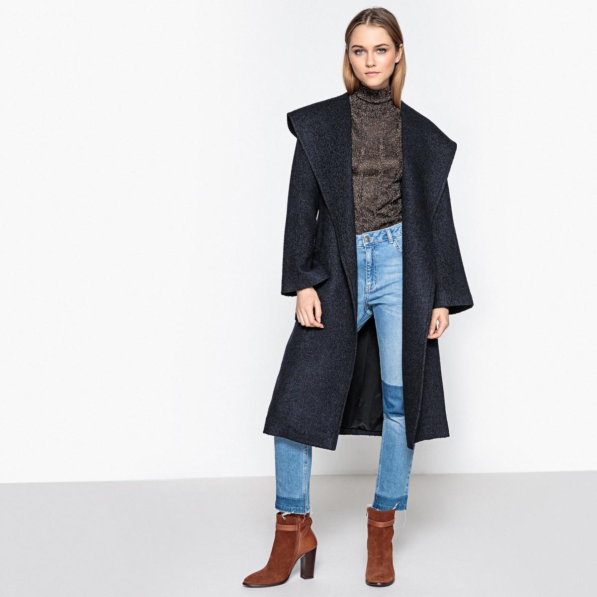 Пальто с капюшоном длинноеОписание:Пальто добавит еще больше стиля зимой ! Пальто с широким воротником, объемного покроя, в котором тамк уютно и тепло Детали •  Длина : удлиненная модель •  Капюшон •  Застежка на кнопки •  С капюшономСостав и уход •  60% акрила, 10% других волокон, 30% полиэстера •  Подкладка : 100% полиэстер • Не стиратьДеликатная сухая чистка / не отбеливать   •  Не использовать барабанную сушку •  Низкая температура глажки •  Длина : 109 см<br><br>Цвет: синий морской<br>Размер: 34 (FR) - 40 (RUS).50 (FR) - 56 (RUS).40 (FR) - 46 (RUS)