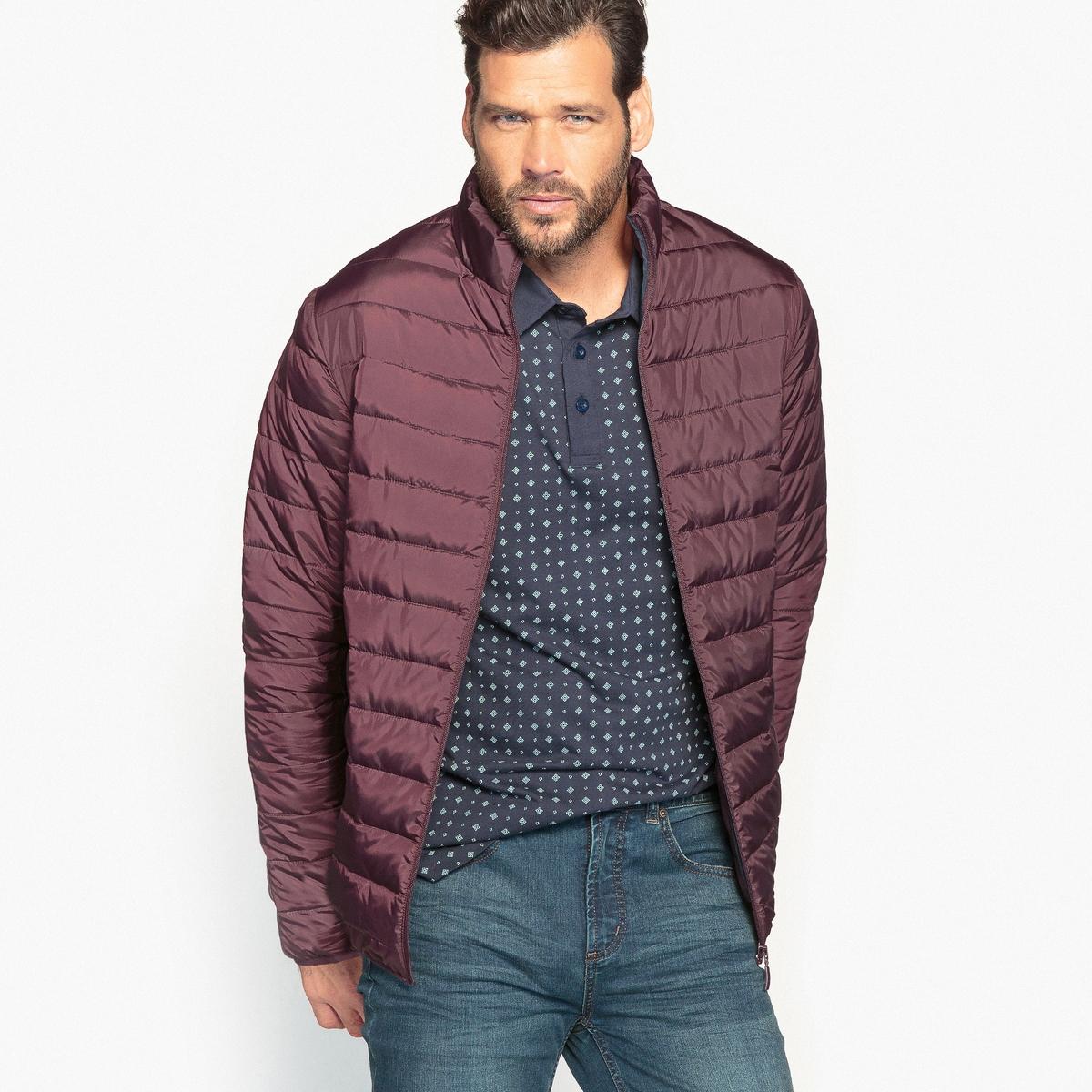Куртка стёганая тонкая с длинными рукавамиКуртка стёганая тонкая с длинными рукавами. Небольшой воротник-стойка. Застежка на молнию спереди. 2 боковых кармана на молнии. 2 внутренних кармана. 100% полиэстер, внутренний подклад контрастный из 100% полиэстера. Длина 77 см.<br><br>Цвет: бордовый