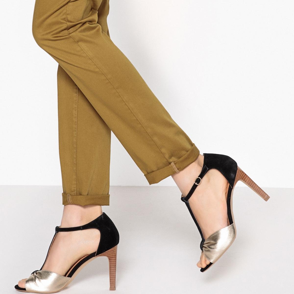 Sandalias de piel con banda dorada