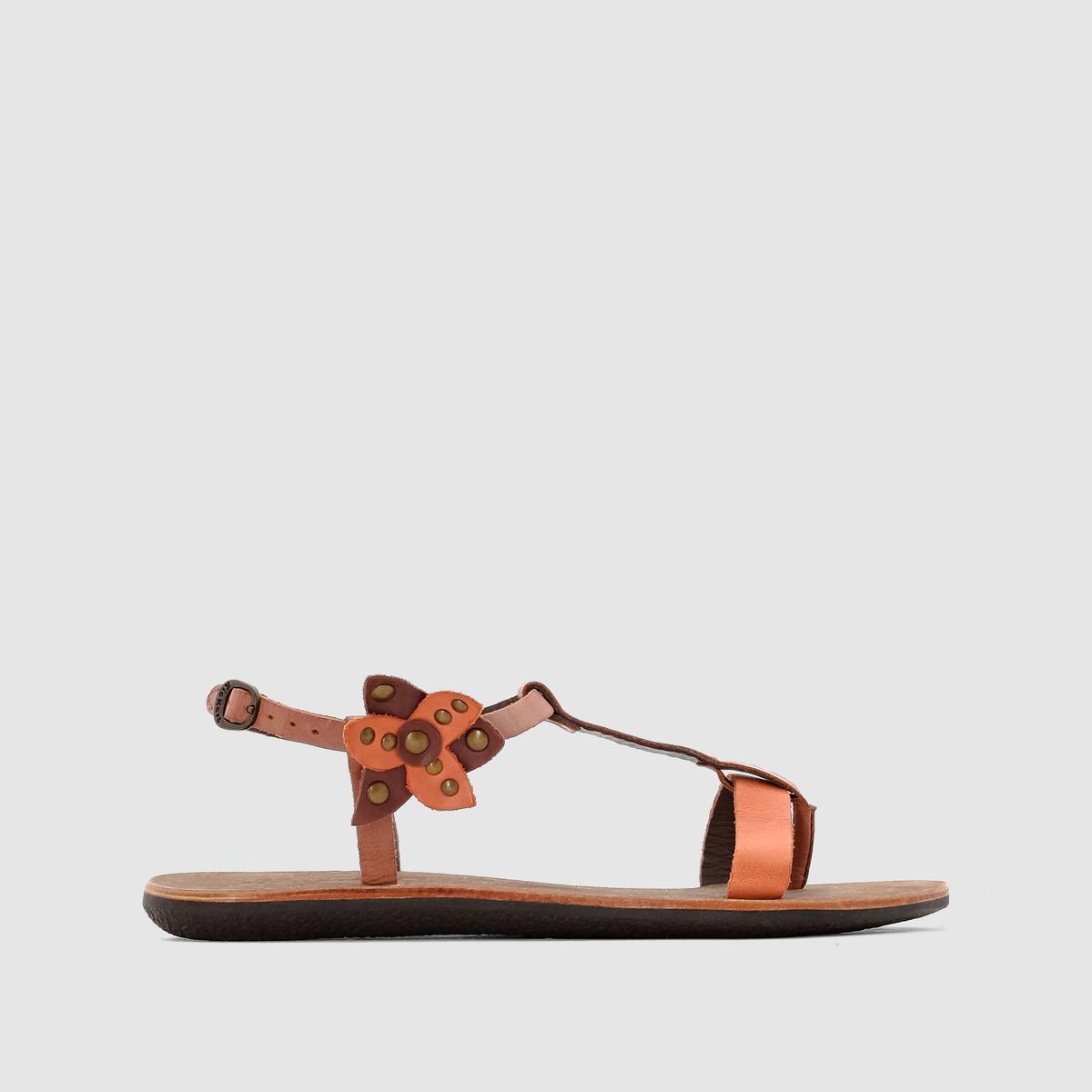 Сандалии кожаные на низком каблуке SpartflowerМинималистичный дизайн и декорированный кожаным цветком ремешок... Очаровательные и удобные кожаные сандалии, которые будут органично дополнять ваш летний гардероб!<br><br>Цвет: каштановый / оранжевый,черный/ синий<br>Размер: 39.36