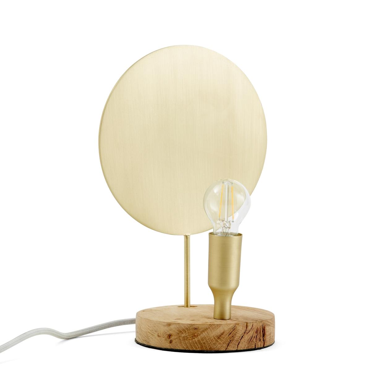 Лампа настольная, SynaxeНастольная лампа Synaxe. Декоративная лампа в духе старинных подсвечников с сочетанием дуба и латуни. Ее свет, отражающийся на латунном диске, напоминает о свете свечей.Характеристики:- Основание из дуба- Из металла черного цвета и латуни- Патрон E14 для светодиодной лампы макс. 10 Вт, продается отдельно.- Совместима с лампами класса энергопотребления A.Размеры:- ?12 x В37 см<br><br>Цвет: латунь