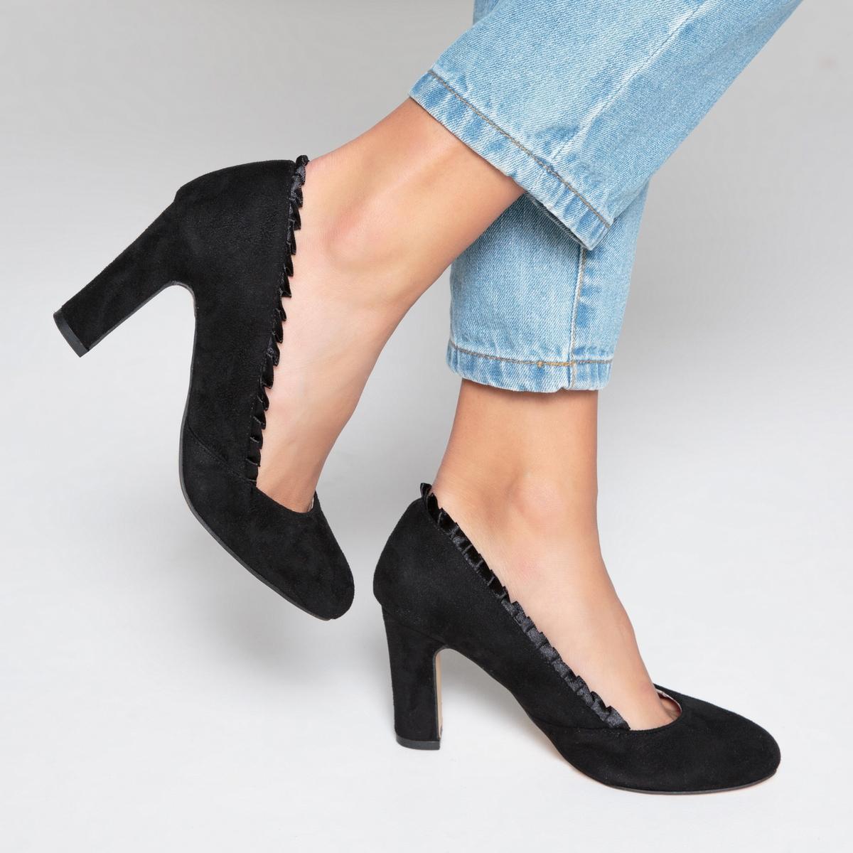 Туфли с воланами