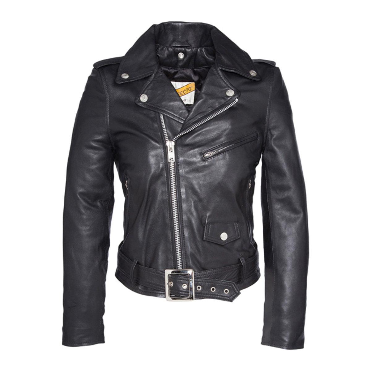 Куртка кожаная LCW 8600Описание:Детали •  Длина : укороченная •  Воротник-поло, рубашечный •  Застежка на молниюСостав и уход •  100% кожа •  Подкладка : 100% полиэстер •  Следуйте советам по уходу, указанным на этикетке<br><br>Цвет: черный<br>Размер: S
