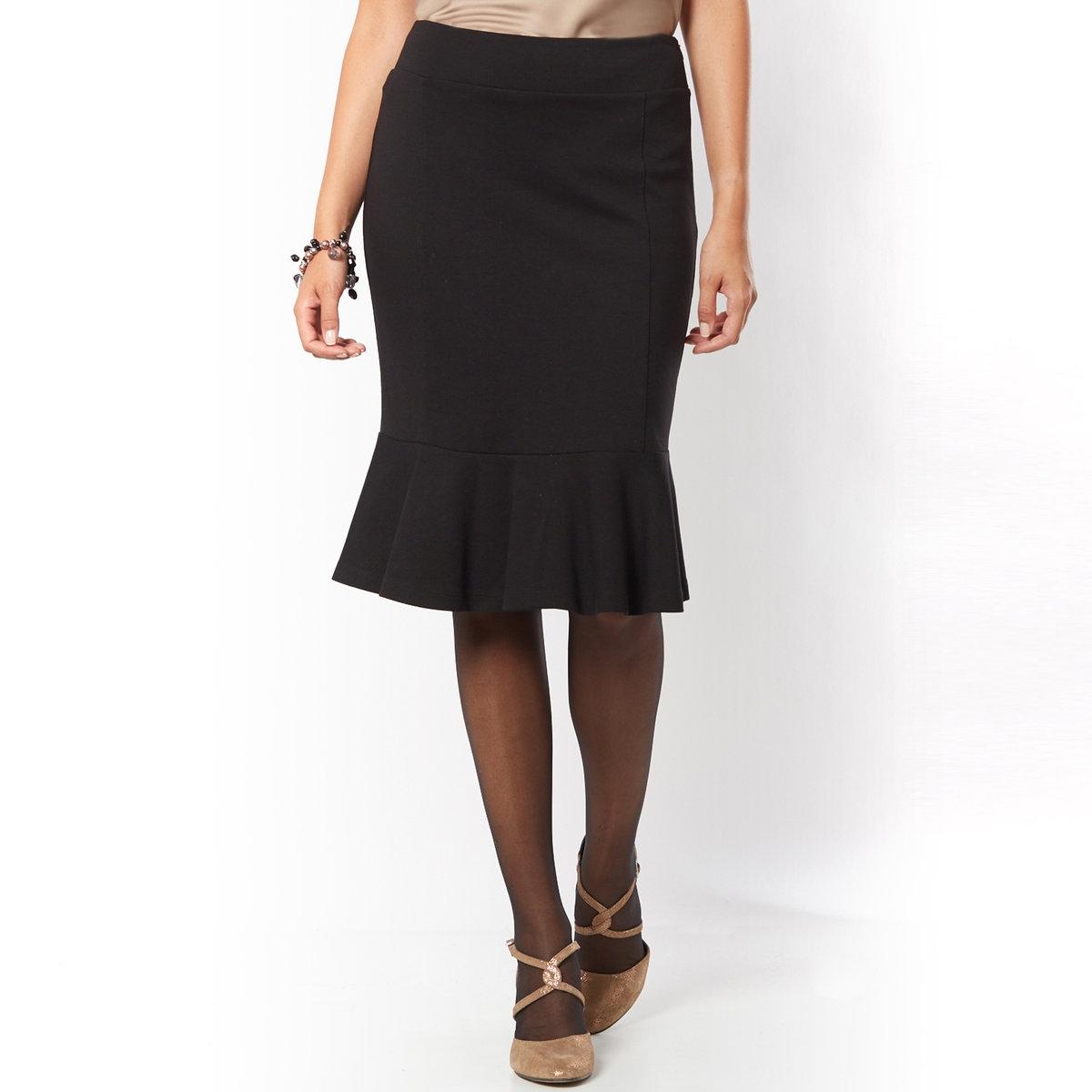 Юбка из плотного трикотажаЮбка из плотного трикотажа. Женственная юбка с воланами снизу. Пояс с молнией сбоку. Длина ок. 60 см. Плотный трикотаж: 72% вискозы, 24% полиамида, 4% эластана.<br><br>Цвет: черный<br>Размер: 46 (FR) - 52 (RUS).48 (FR) - 54 (RUS)