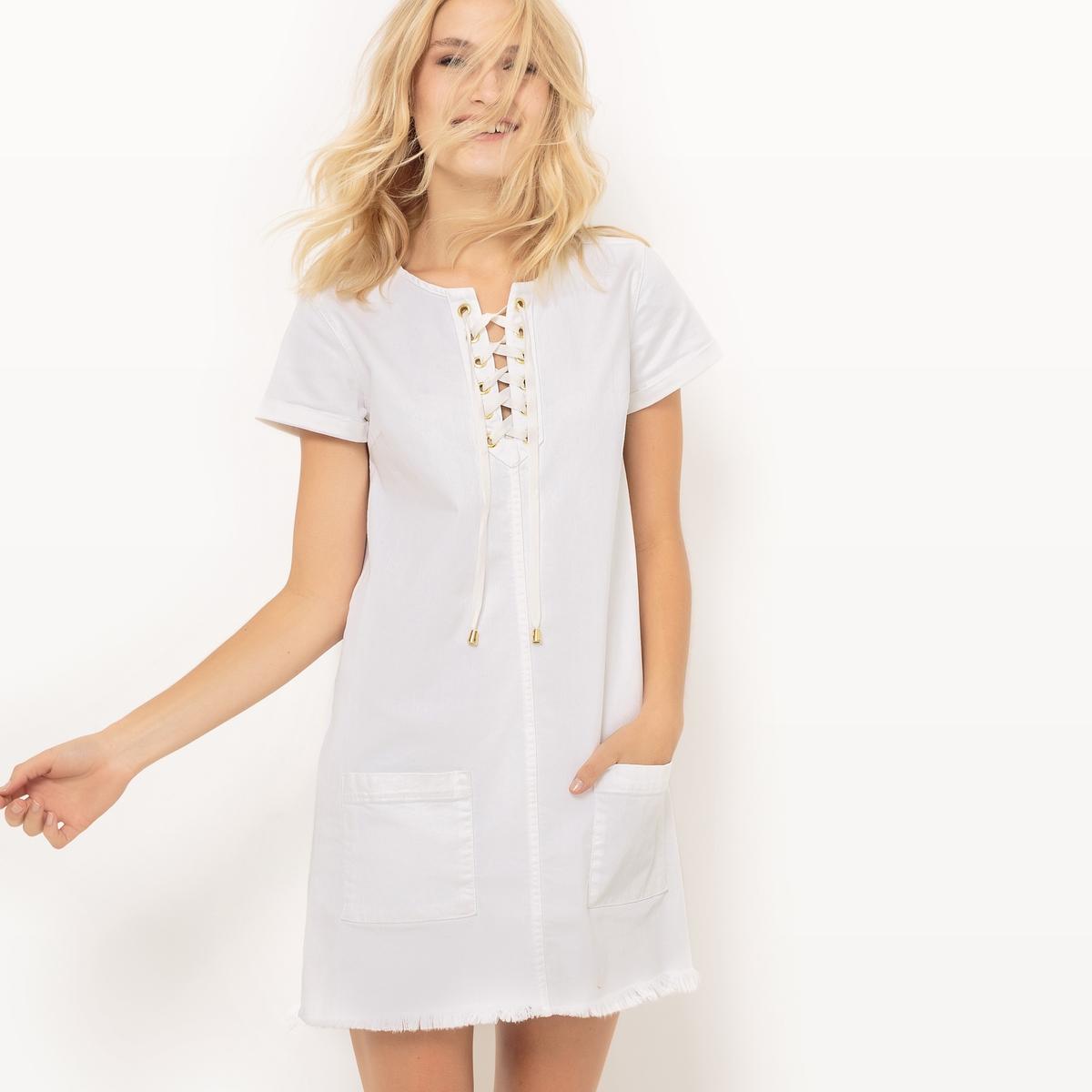 Платье с короткими рукавами, вырез на шнуровкеДетали  •  Форма : прямая  • короткое  •  Короткие рукава    •   V-образный вырез  Состав и уход  •  98% хлопка, 2% эластана   • Просьба следовать советам по уходу, указанным на этикетке изделия<br><br>Цвет: белый<br>Размер: XS