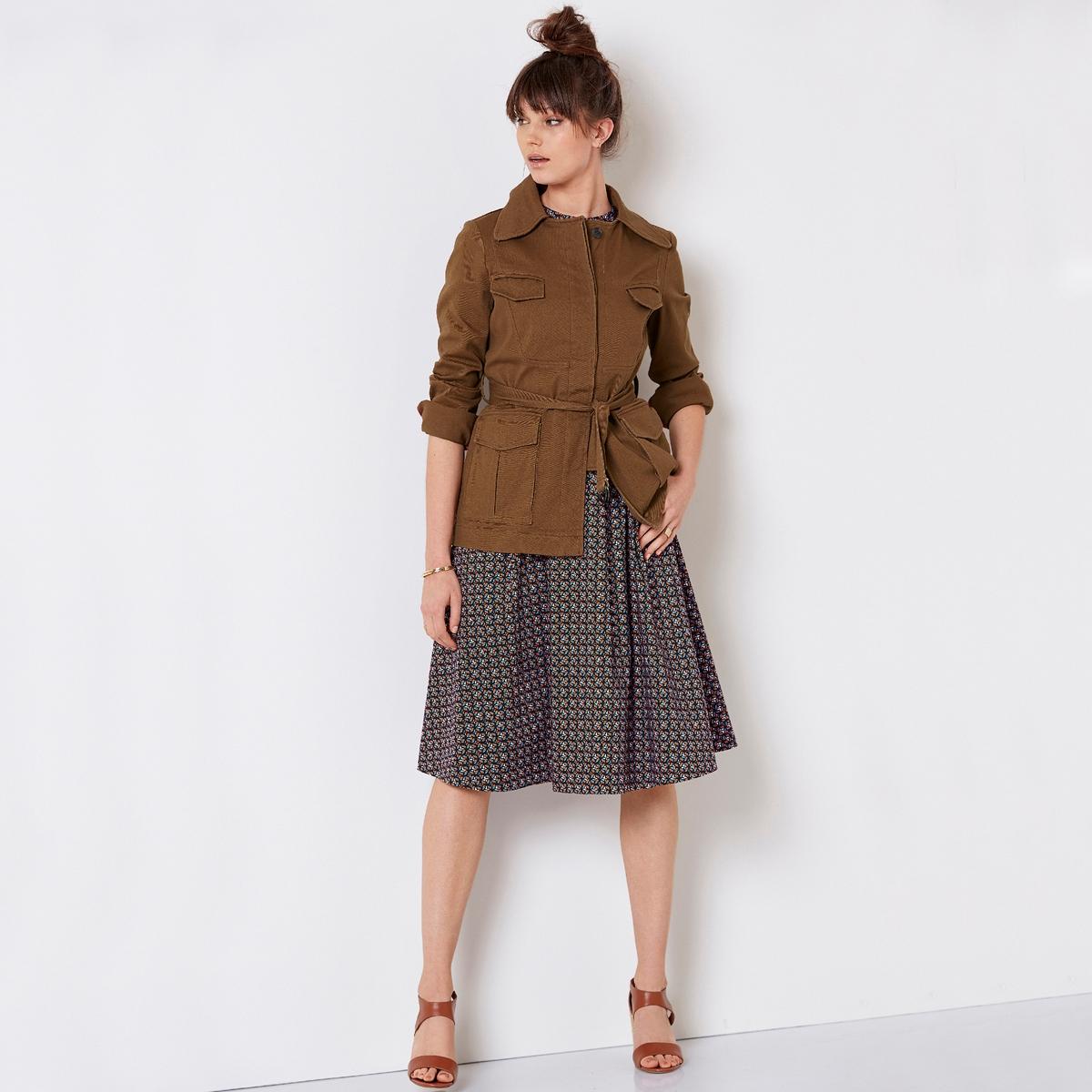 Жакет в стиле милитариНе выходящий из моды образ для летнего сезона, его можно носить с брюками с принтом или юбкой-карандаш, чтобы подчеркнуть фигуру.<br><br>Цвет: темно-бежевый<br>Размер: 34 (FR) - 40 (RUS)