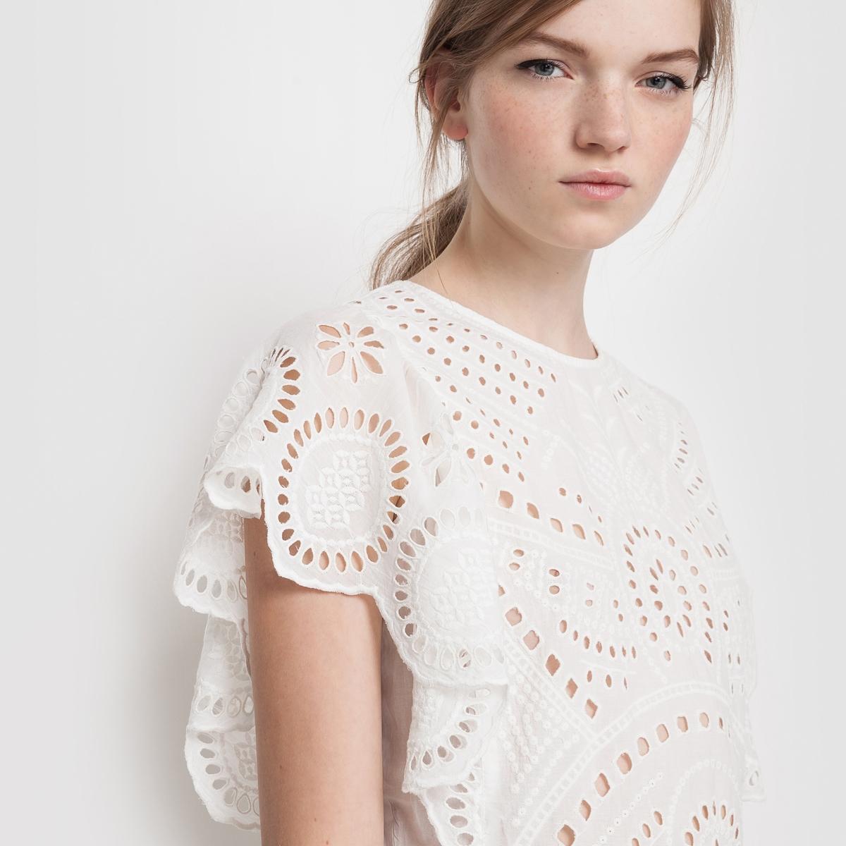 Платье с вышивкойПлатье. Красивый расшитый материал, широкий покрой! Верх с вышивкой. Вырез-капелька с застежкой на пуговицу сзади.Состав и деталиМатериал: 100% хлопкаДлина 90 смБренд: Mademoiselle R<br><br>Цвет: слоновая кость<br>Размер: 40 (FR) - 46 (RUS)