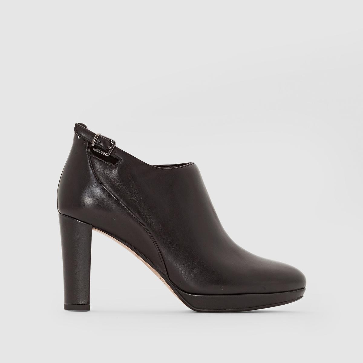 Ботильоны кожаные на каблуке, KENDRA SPICEПодкладка: Текстиль.     Стелька: Кожа.Подошва: Каучук.                       Высота голенища: 10 см.Форма каблука: Широкая.Мысок: Круглый.Застежка: Ремешок/пряжка.<br><br>Цвет: черный